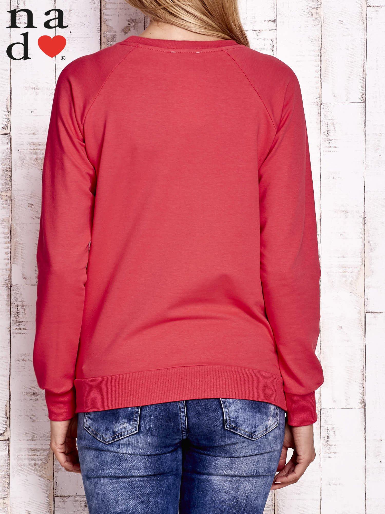 Czerwona bluza z napisem SMILER                                  zdj.                                  4