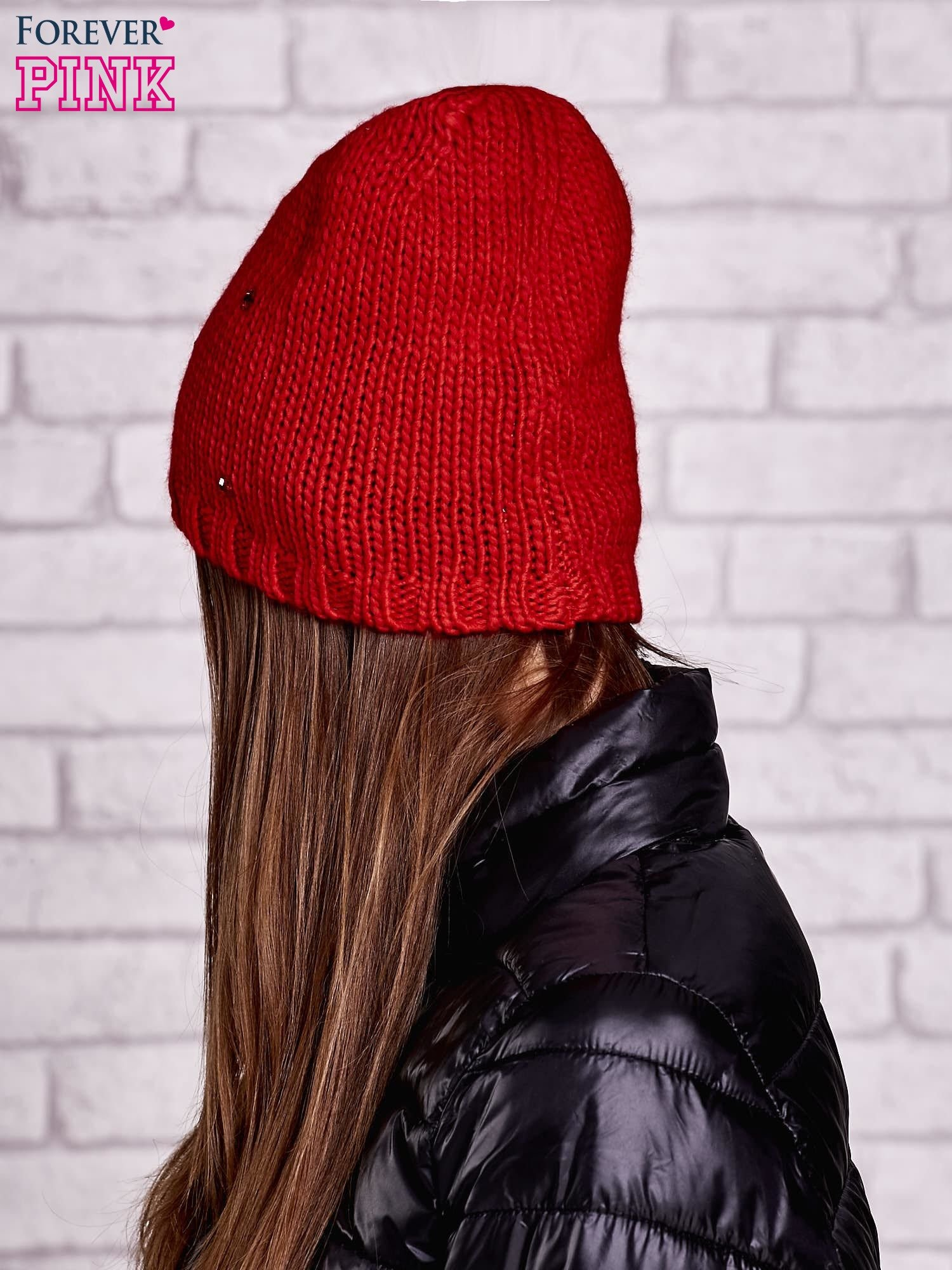 Czerwona czapka z kryształkami                                  zdj.                                  2
