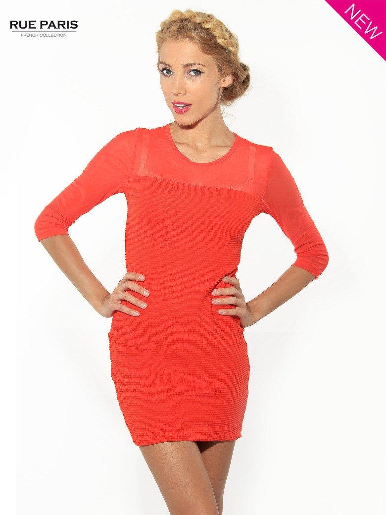 Czerwona dopasowana sukienka pokryta na górze siateczką                                  zdj.                                  2