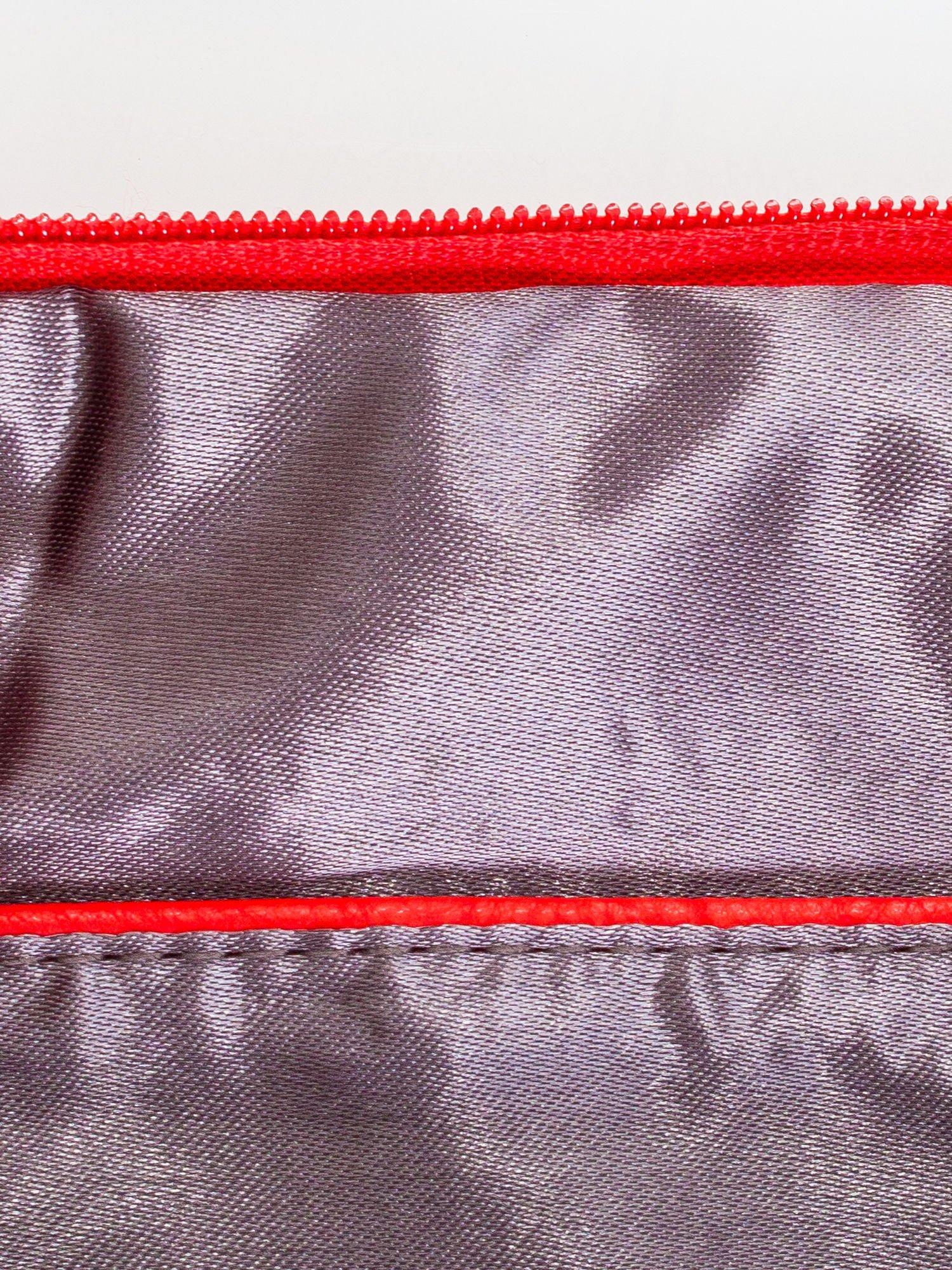 Czerwona kopertówka z dżetami motyw ust                                  zdj.                                  7