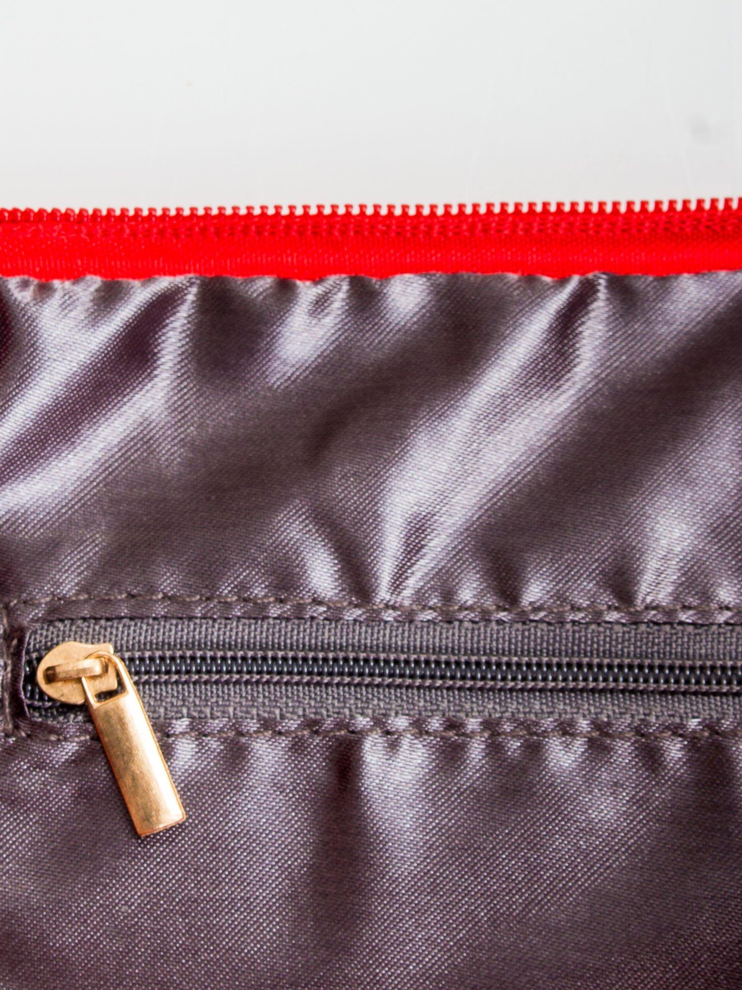 Czerwona kopertówka z dżetami napis LUCY WORLD                                  zdj.                                  6