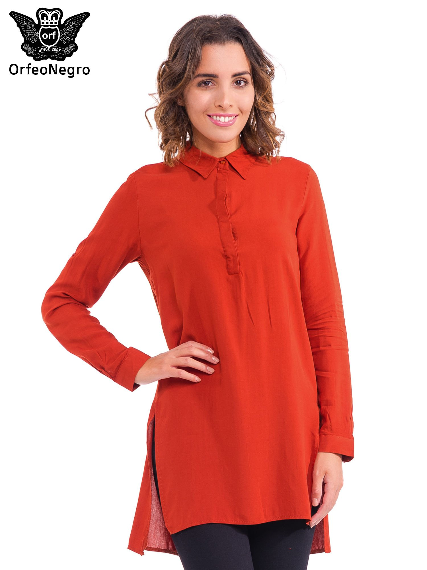 Czerwona koszulotunika z rozcięciami                                  zdj.                                  1