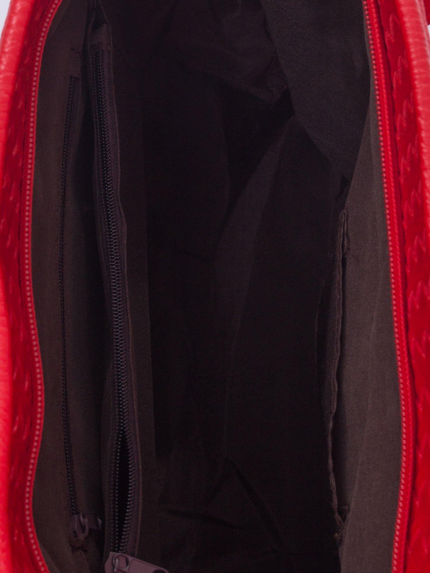 Czerwona pleciona torba shopper bag ze złotym detalem                                  zdj.                                  5