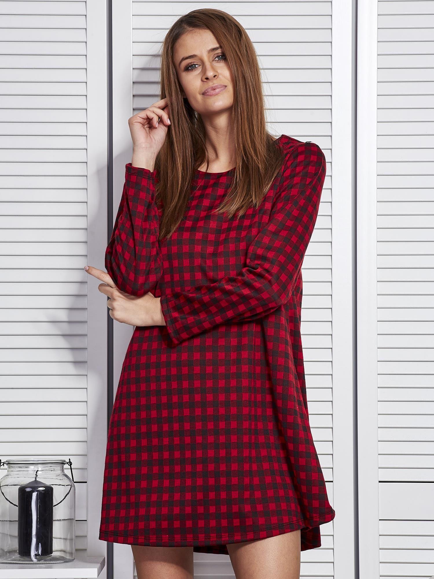 8bf4b7e52f Czerwona sukienka w kratę o trapezowym kroju - Sukienka oversize ...