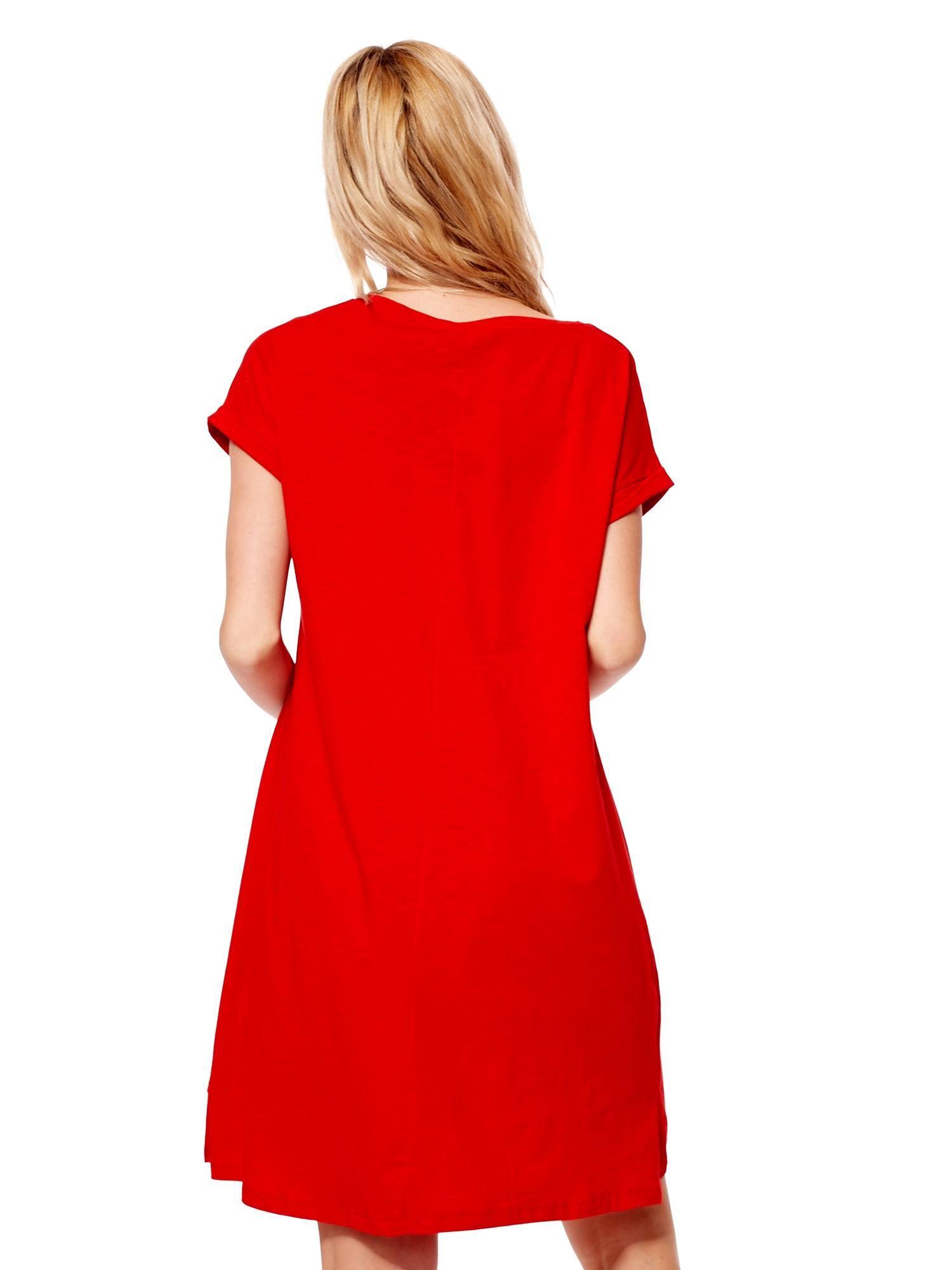 63f891f658 Czerwona sukienka z podwijanymi rękawami - Sukienka oversize - sklep ...