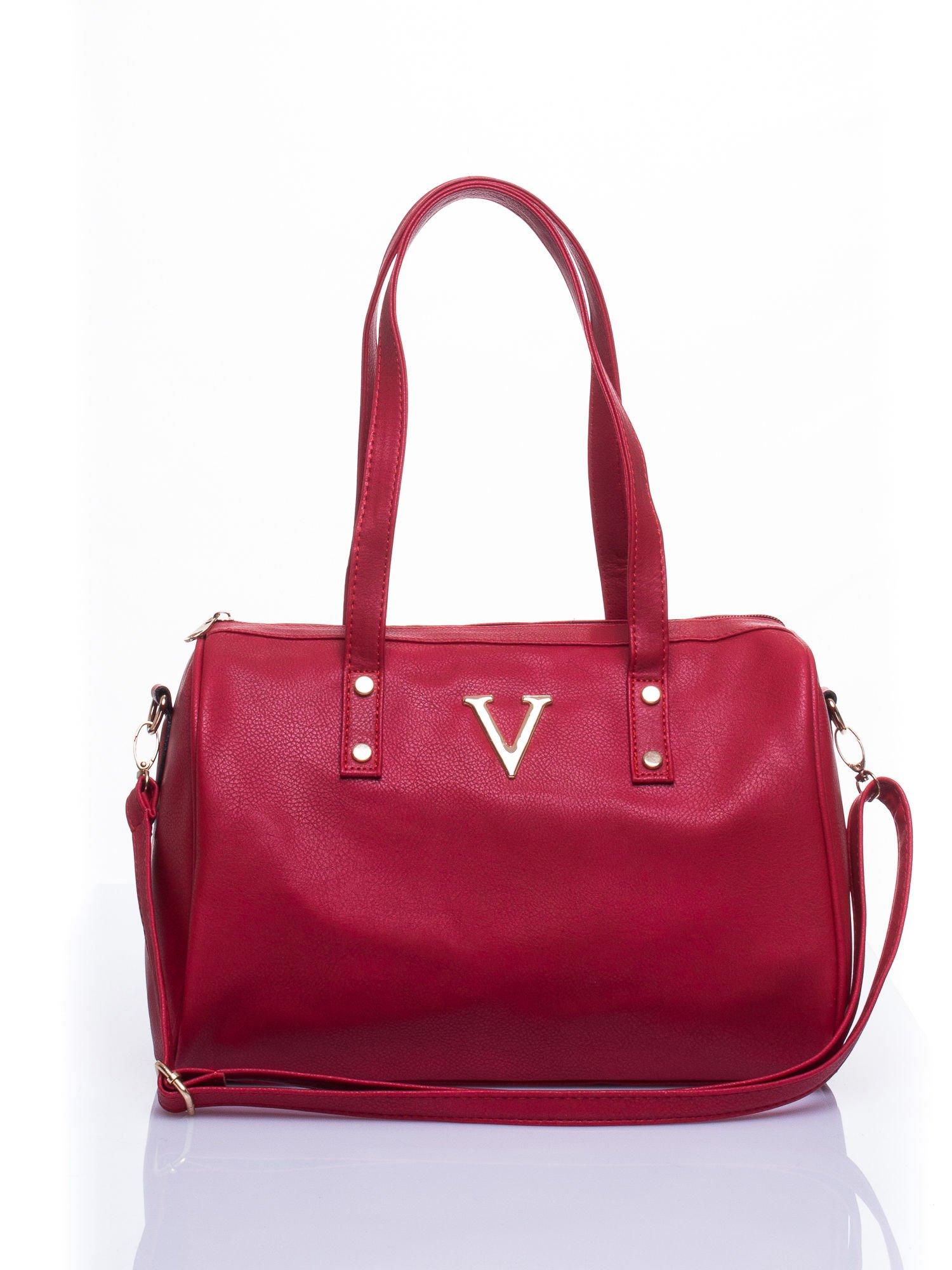 Czerwona torba na ramię ze złotym emblematem                                  zdj.                                  2