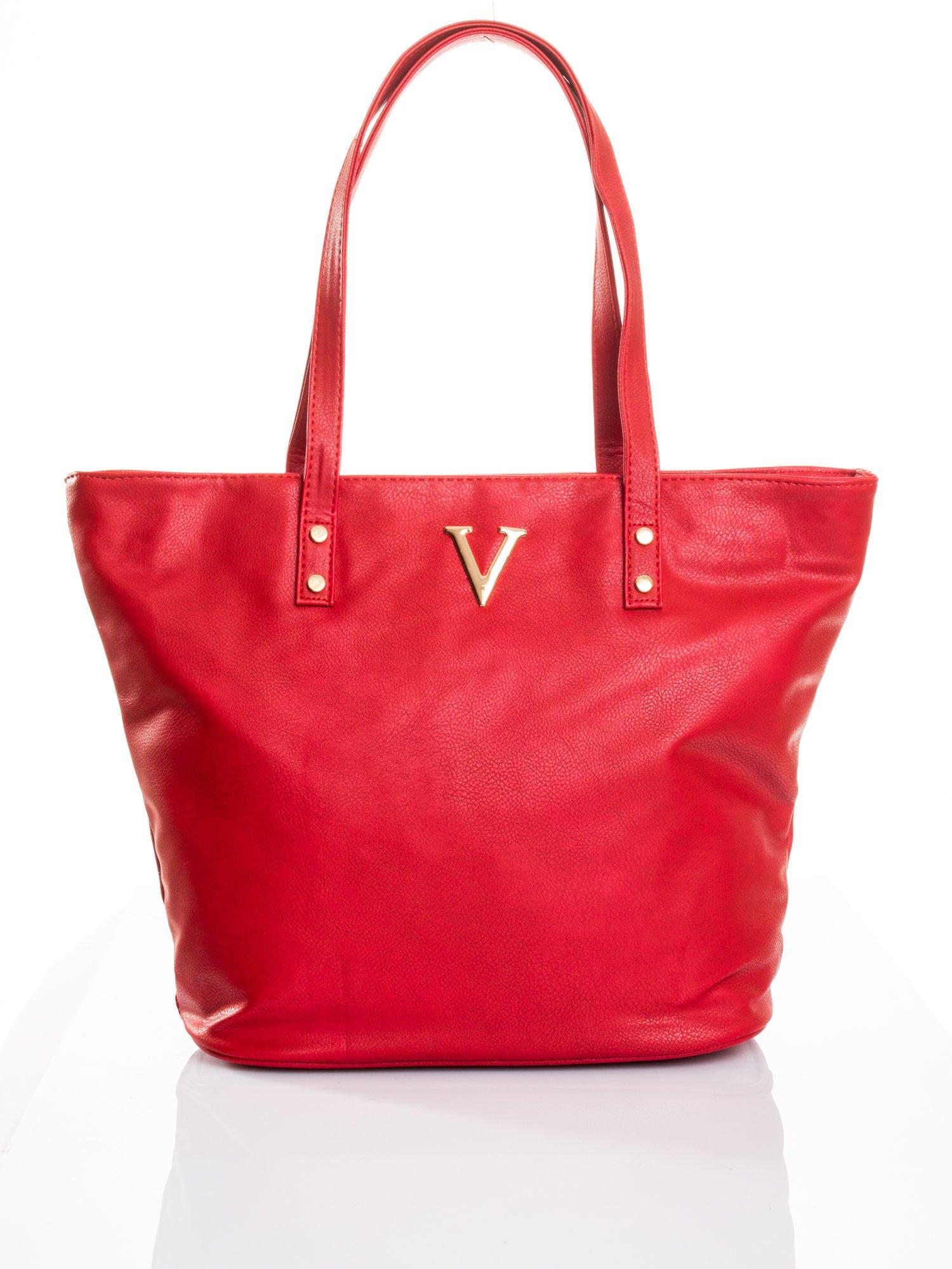 Czerwona torba ze złotym detalem                                  zdj.                                  4