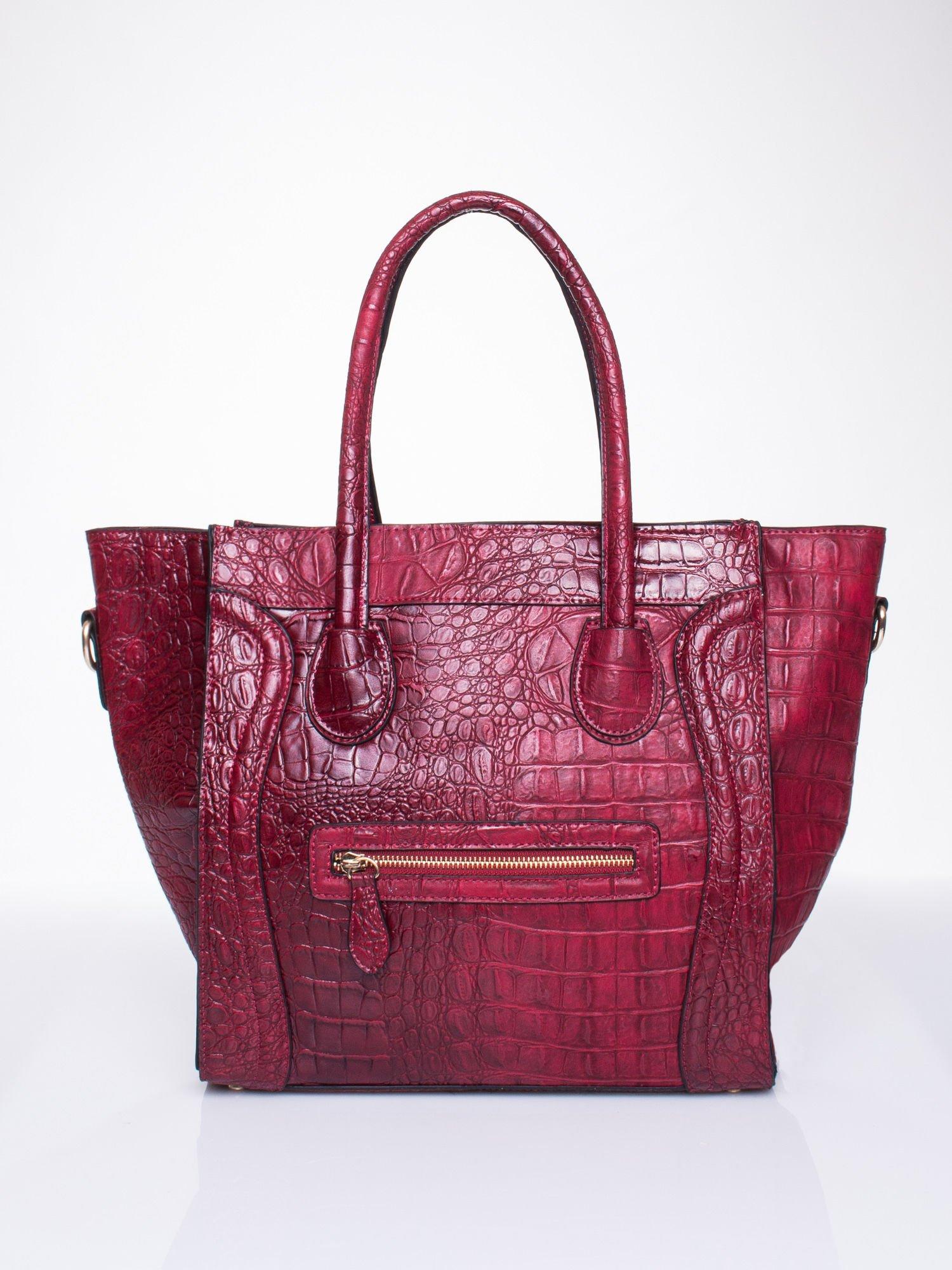 Czerwona trapezowa torba miejska z efektem skóry krokodyla                                  zdj.                                  2