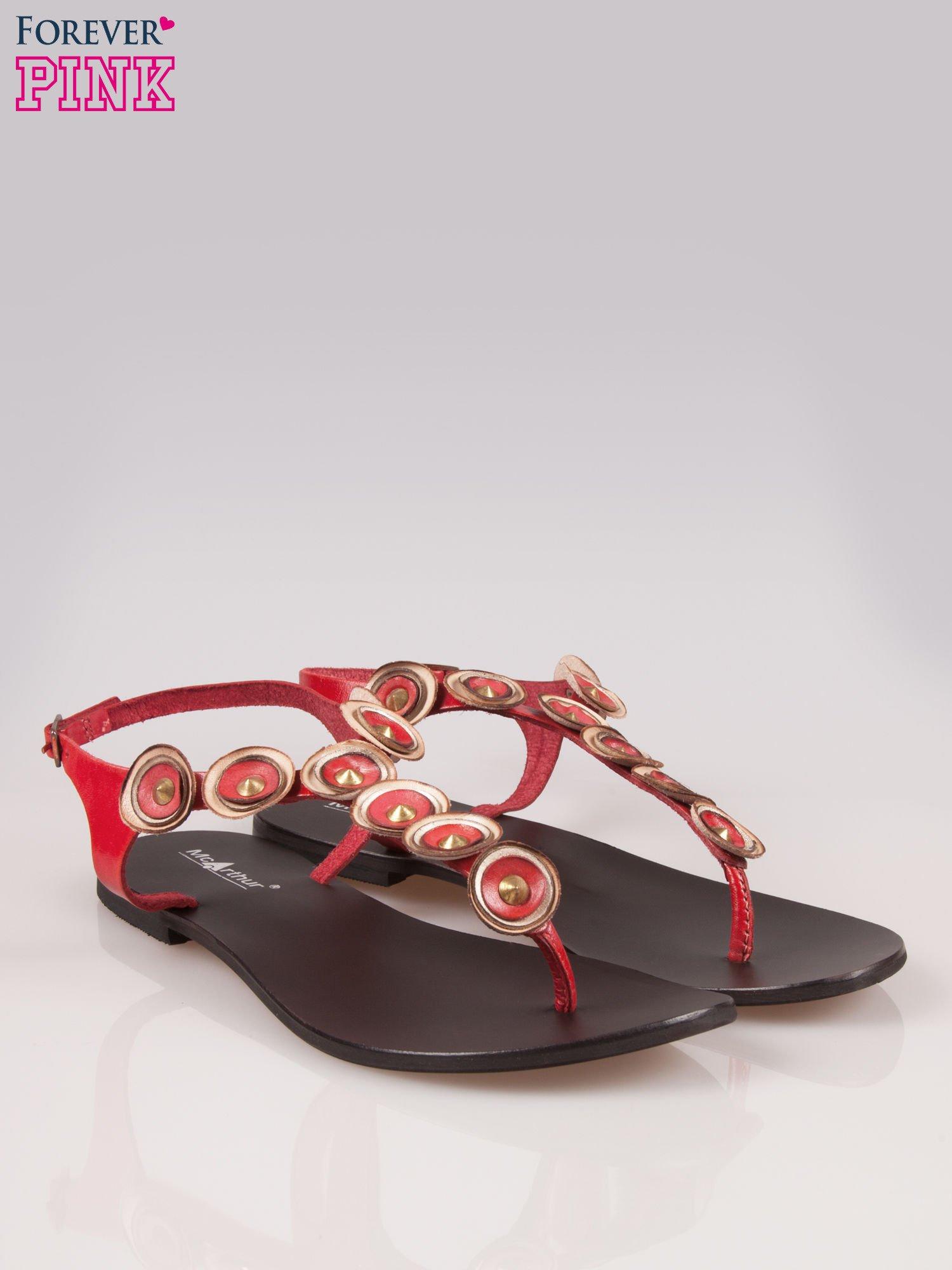 Czerwone skórzane sandały typu japonki w stylu etno                                  zdj.                                  2