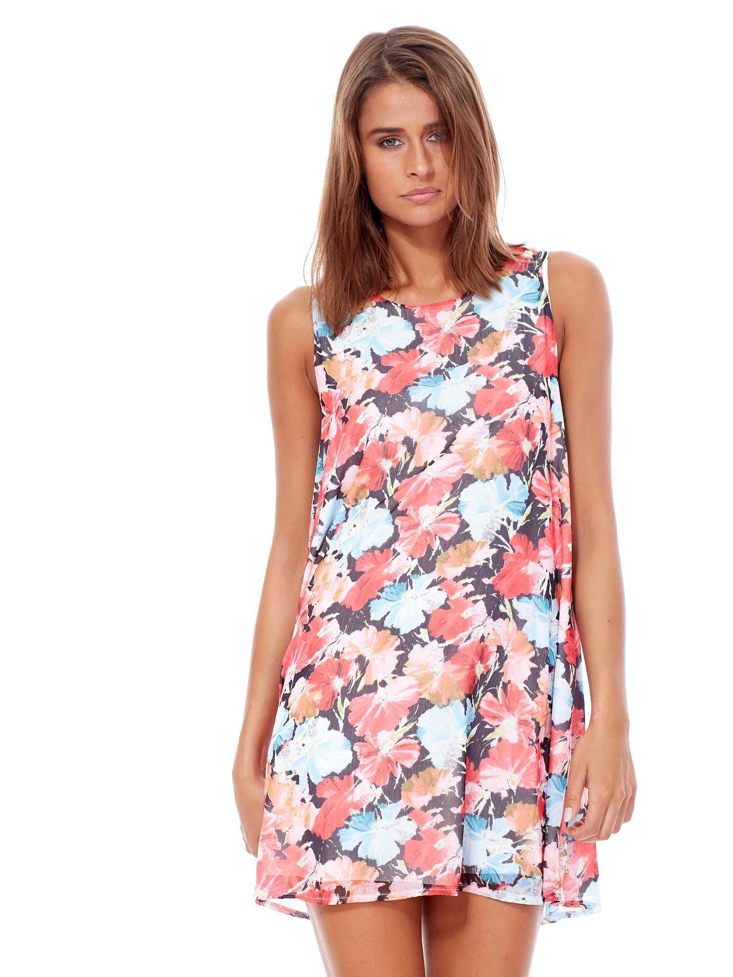 397def0da5e9a Czerwono-niebieska zwiewna sukienka w malarskie kwiaty - Sukienka na ...