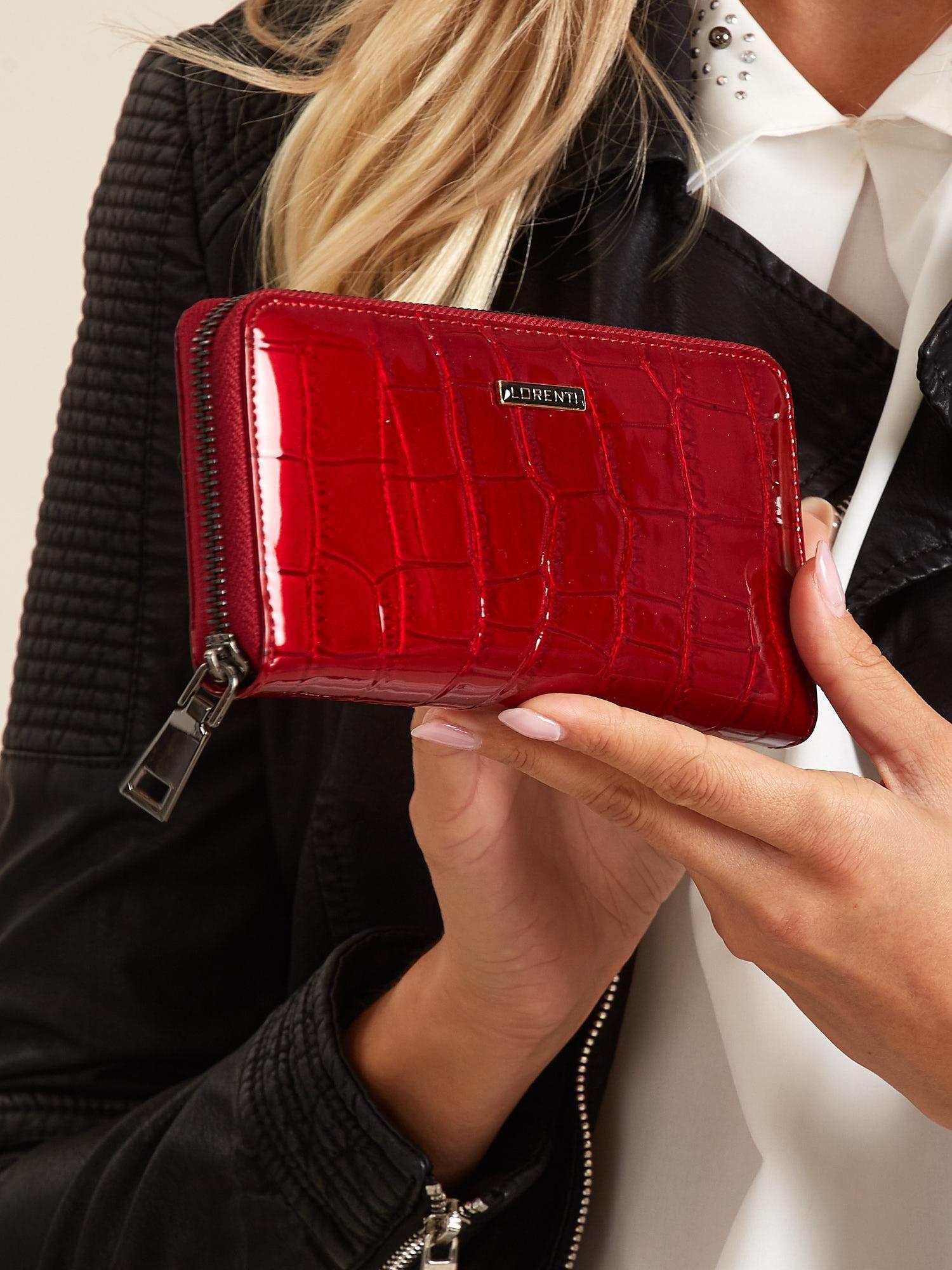 6389ab3f0452b Czerwony lakierowany portfel damski ze skóry - Akcesoria portfele - sklep  eButik.pl