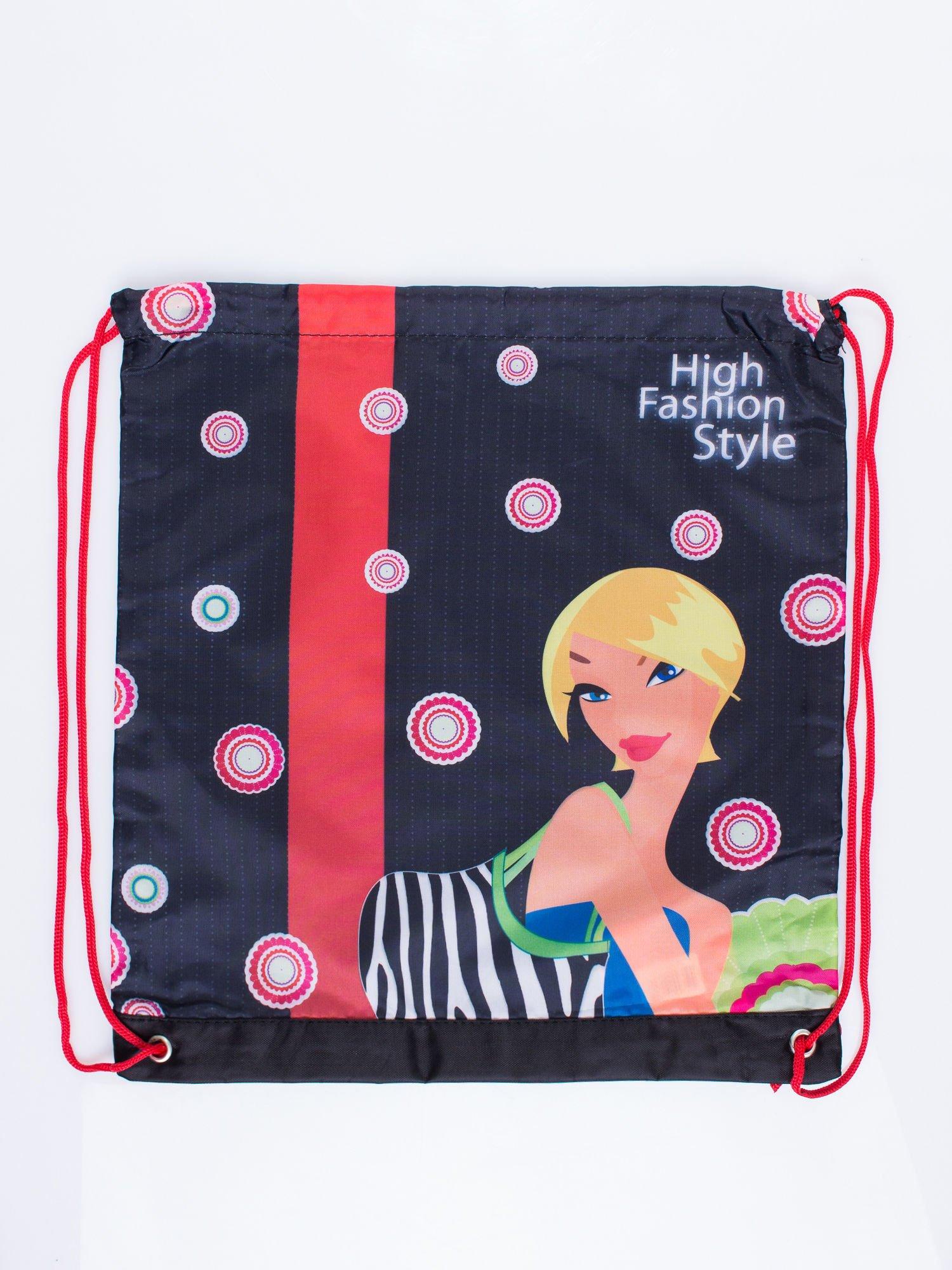 Czerwony plecak worek DISNEY z dziewczyną                                  zdj.                                  3