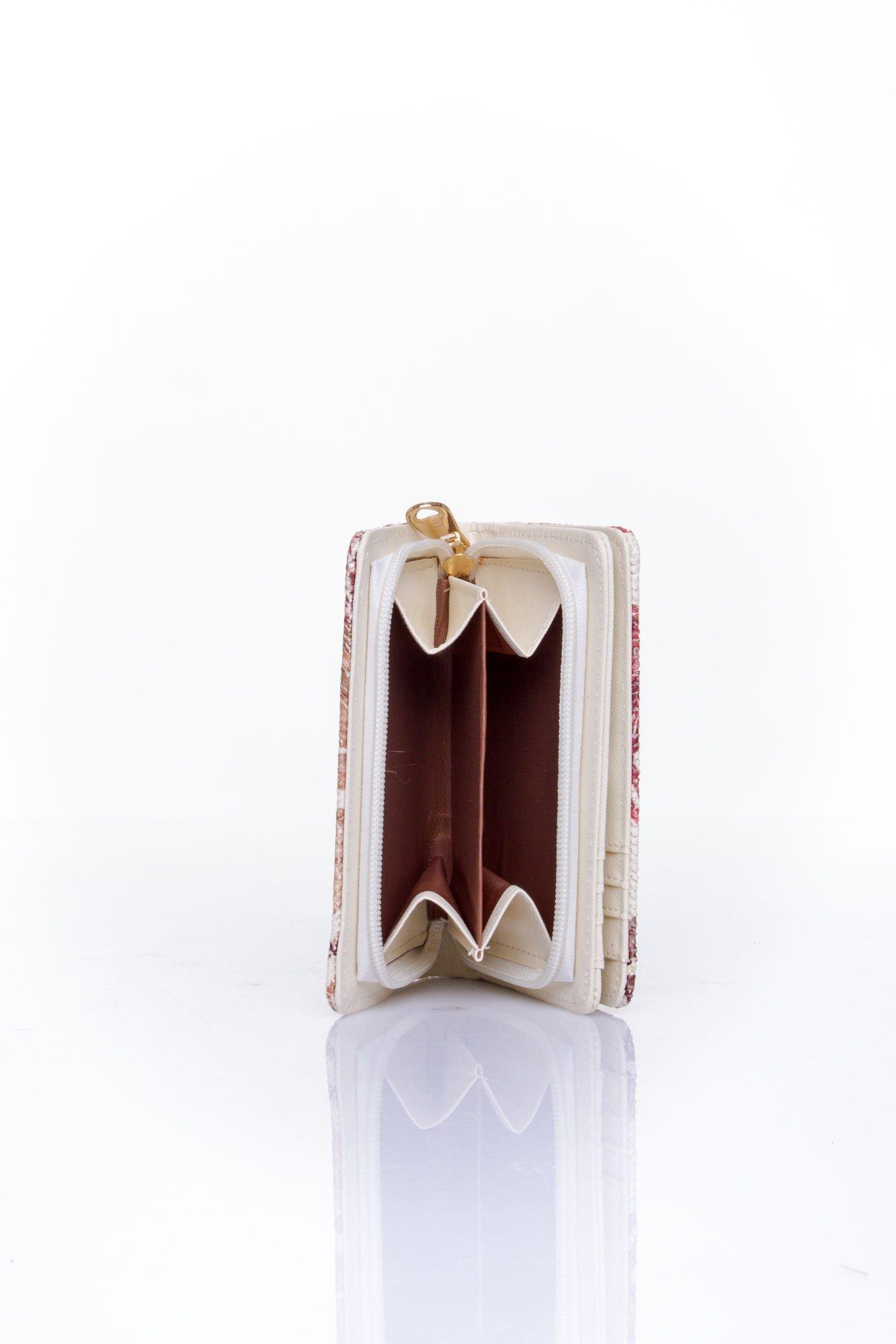 Czerwony portfel z kwiatowym nadrukiem                                  zdj.                                  5