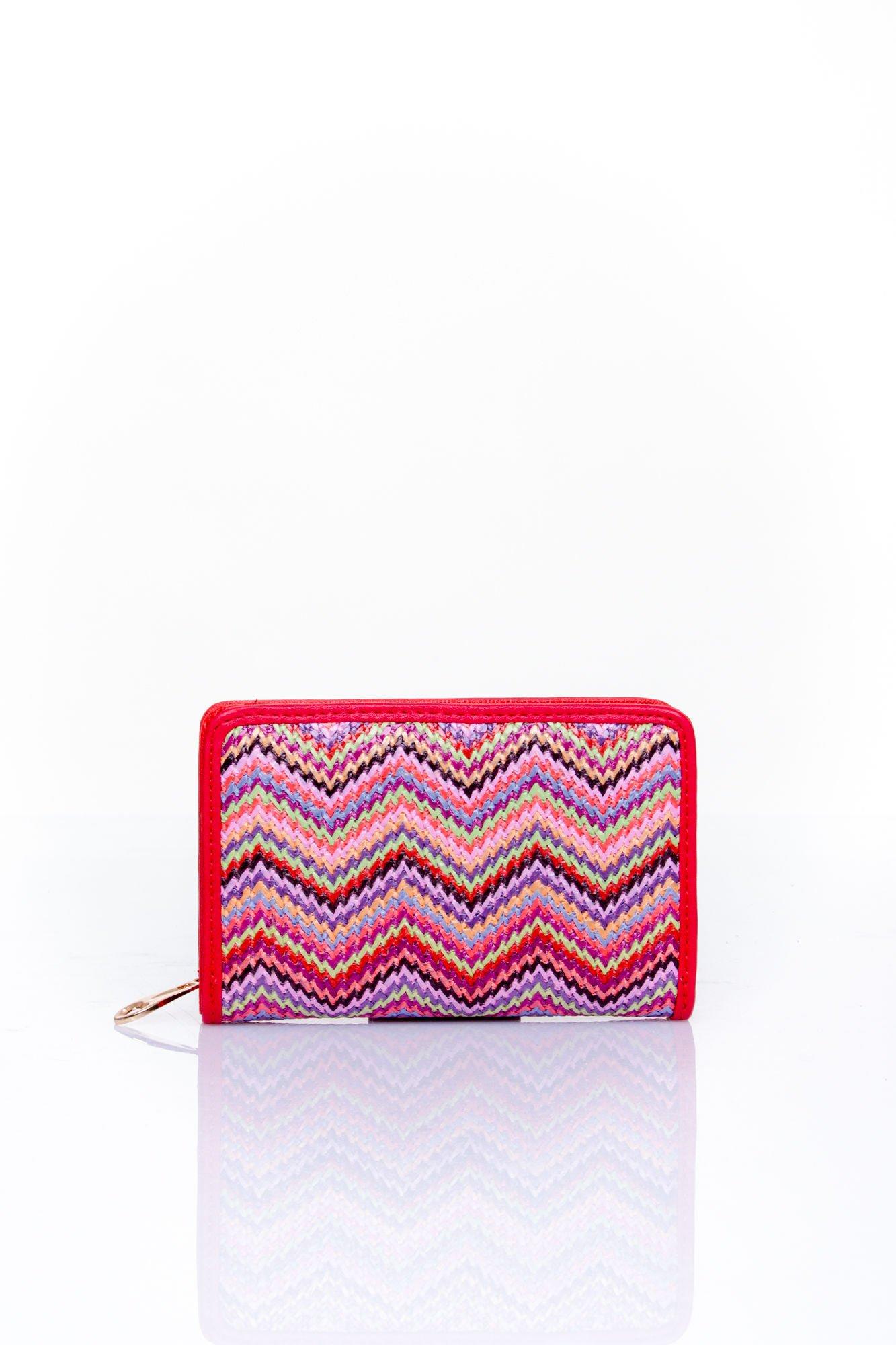 Czerwony portfel z motywem geometrycznej plecionki                                  zdj.                                  1