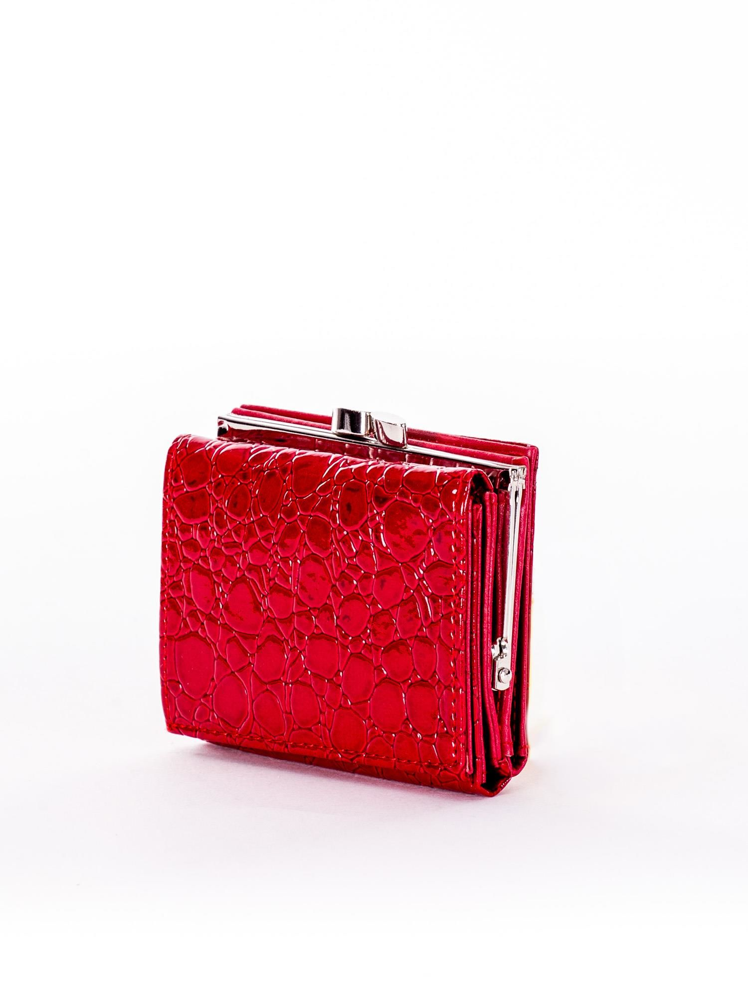 4ed1c6879 Czerwony tłoczony portfel ze skóry ekologicznej - Akcesoria portfele -  sklep eButik.pl
