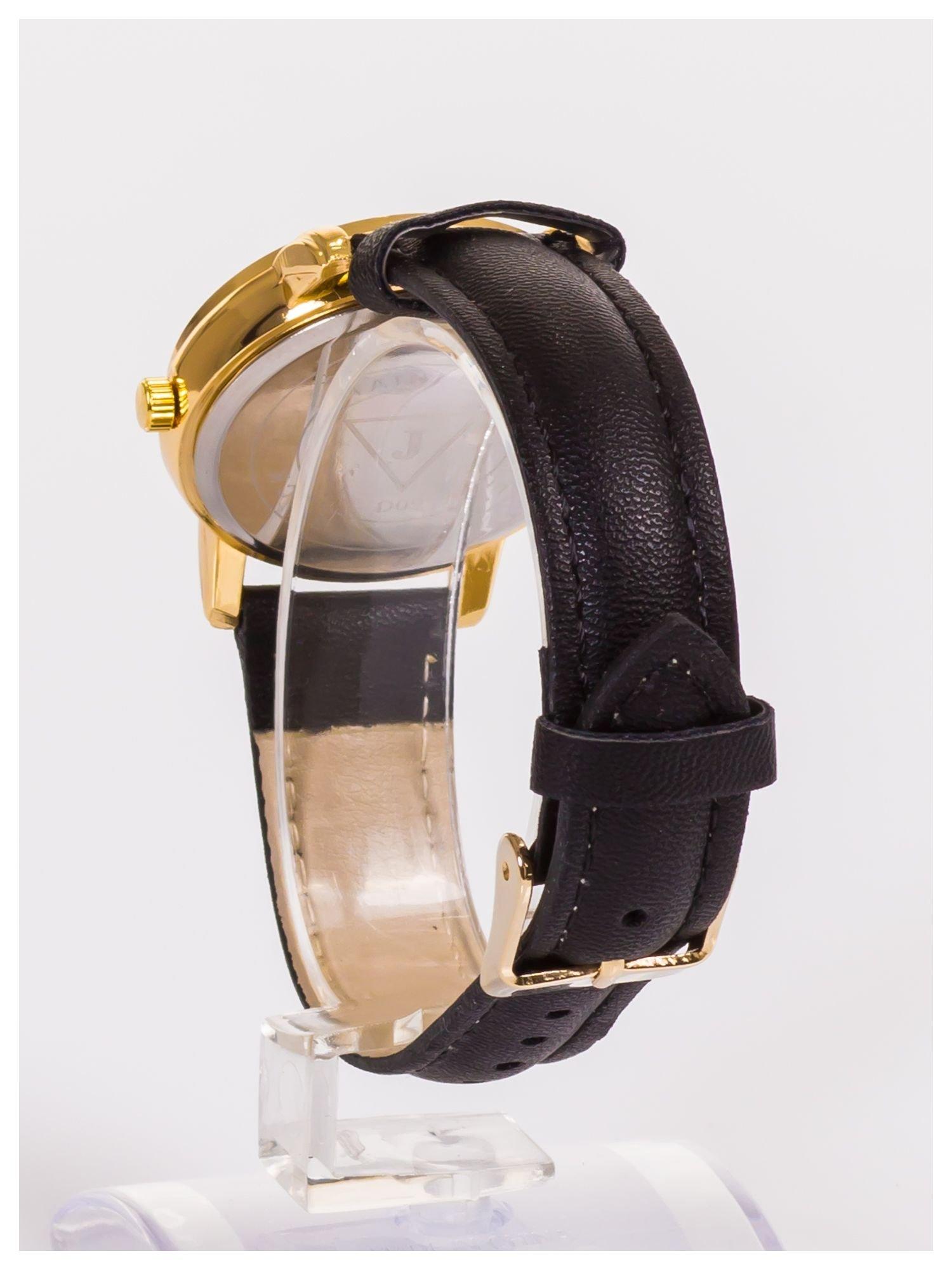 Damski zegarek z delikatnym wzorem na tarczy                                  zdj.                                  4