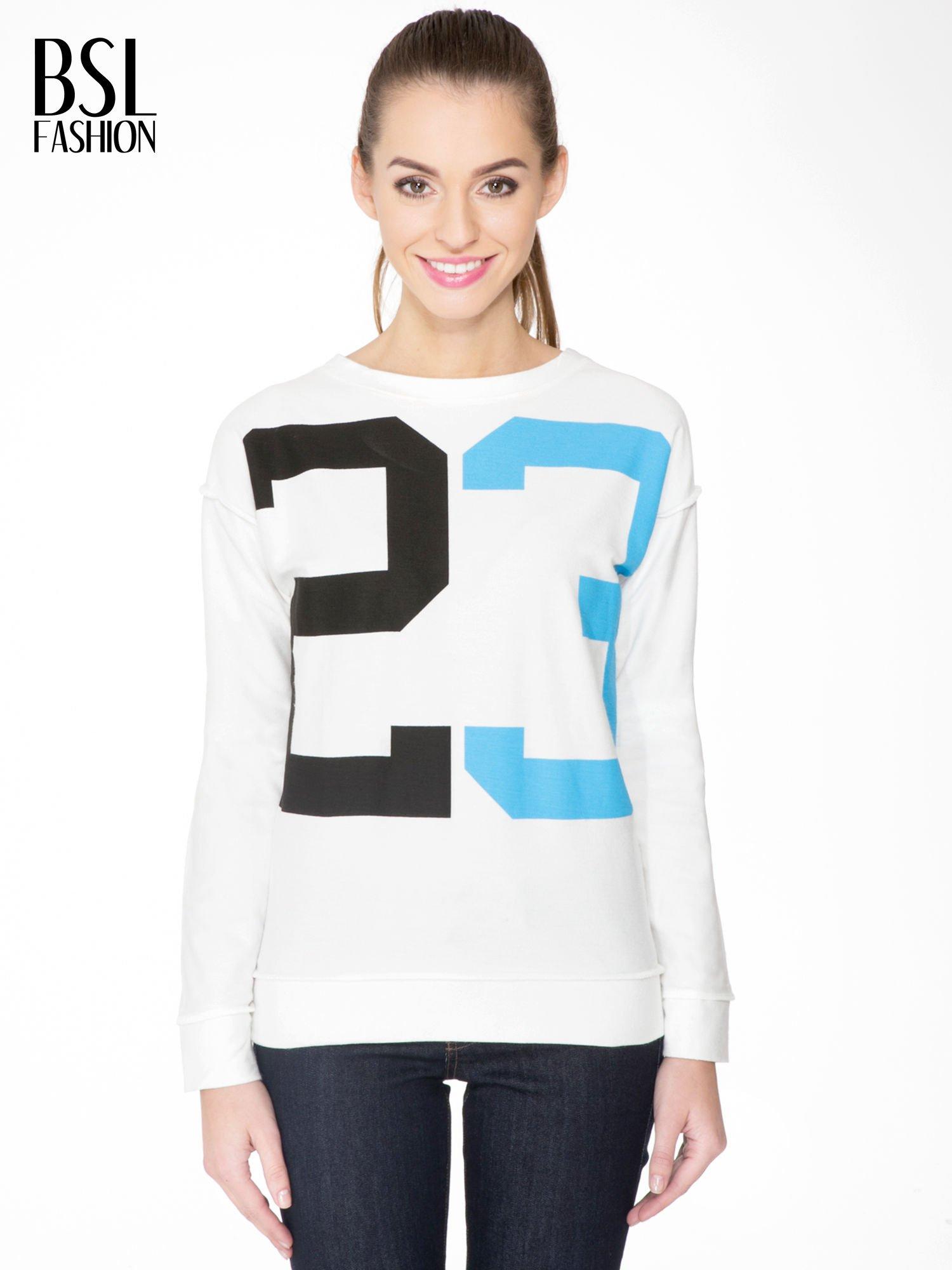 Ecru bluza z nadrukiem numerycznym 23                                  zdj.                                  1