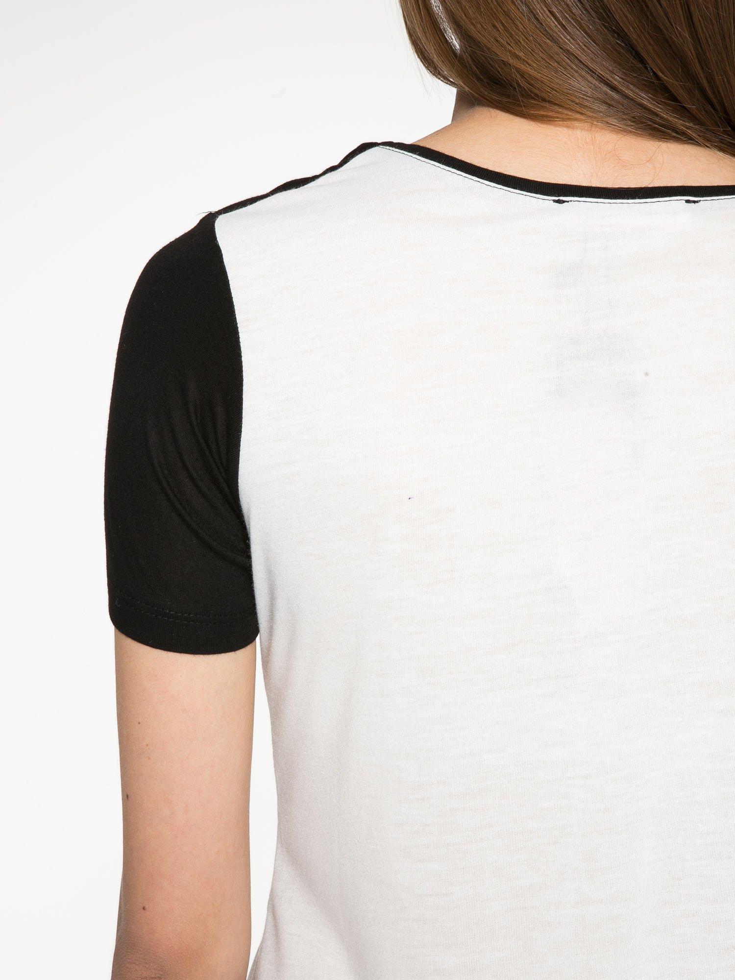 Ecru-czarny t-shirt z nadrukiem FASHION 88                                  zdj.                                  10