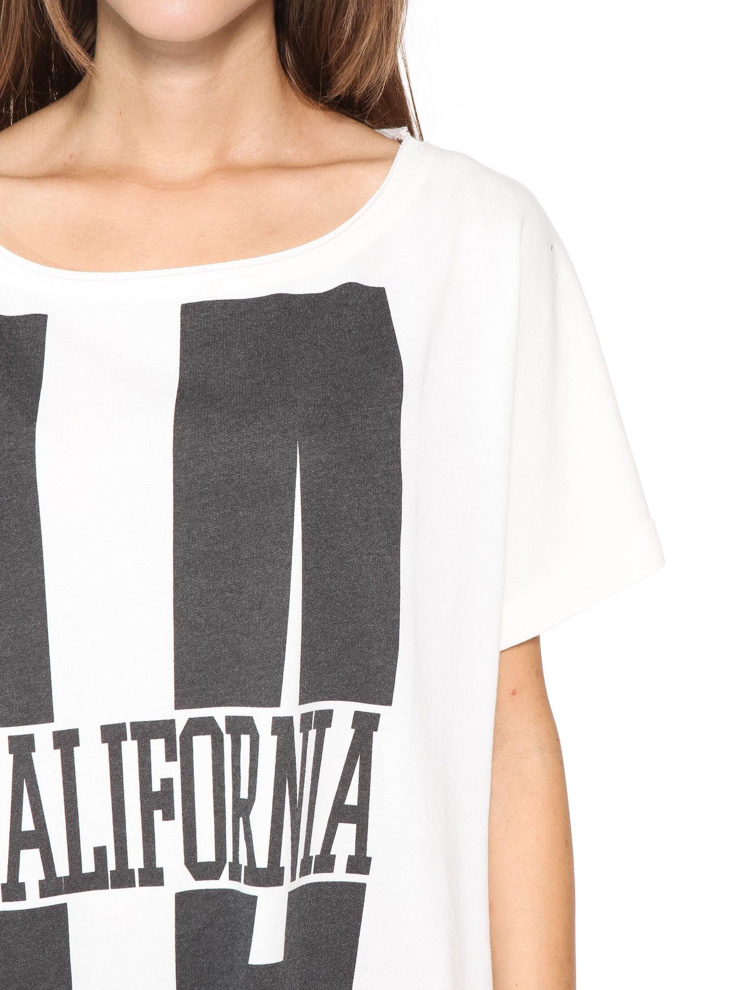 Ecru długi t-shirt z nadrukiem LA CALIFORNIA                                  zdj.                                  10