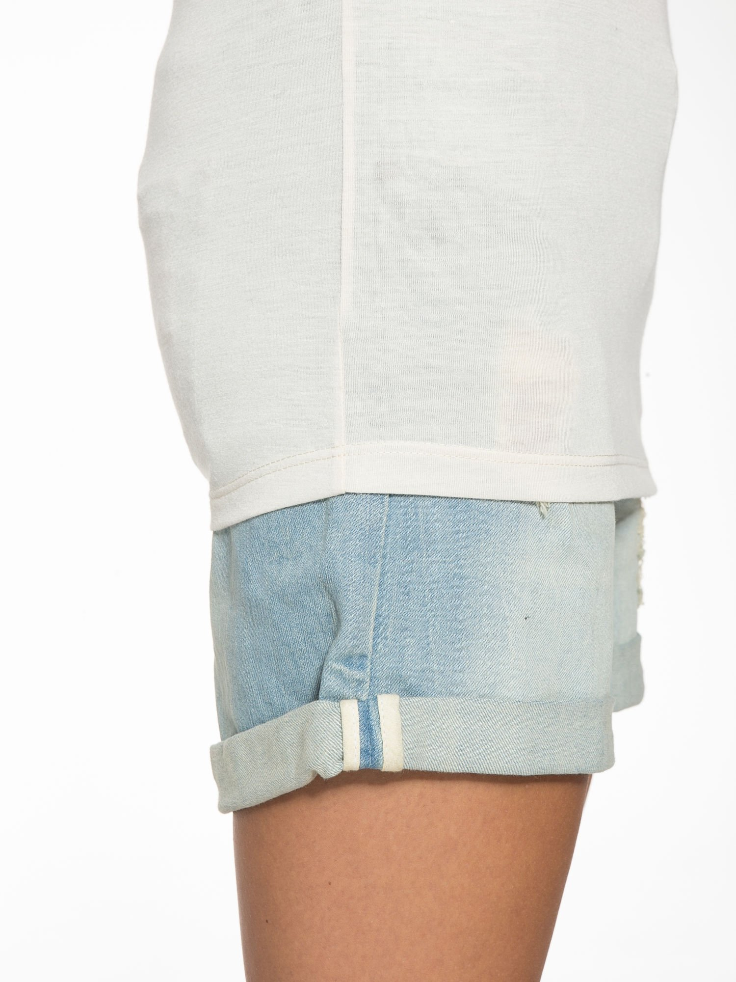 Ecru półtransparentna bluzka z łódkowym dekoltem i rękawami 3/4                                  zdj.                                  10
