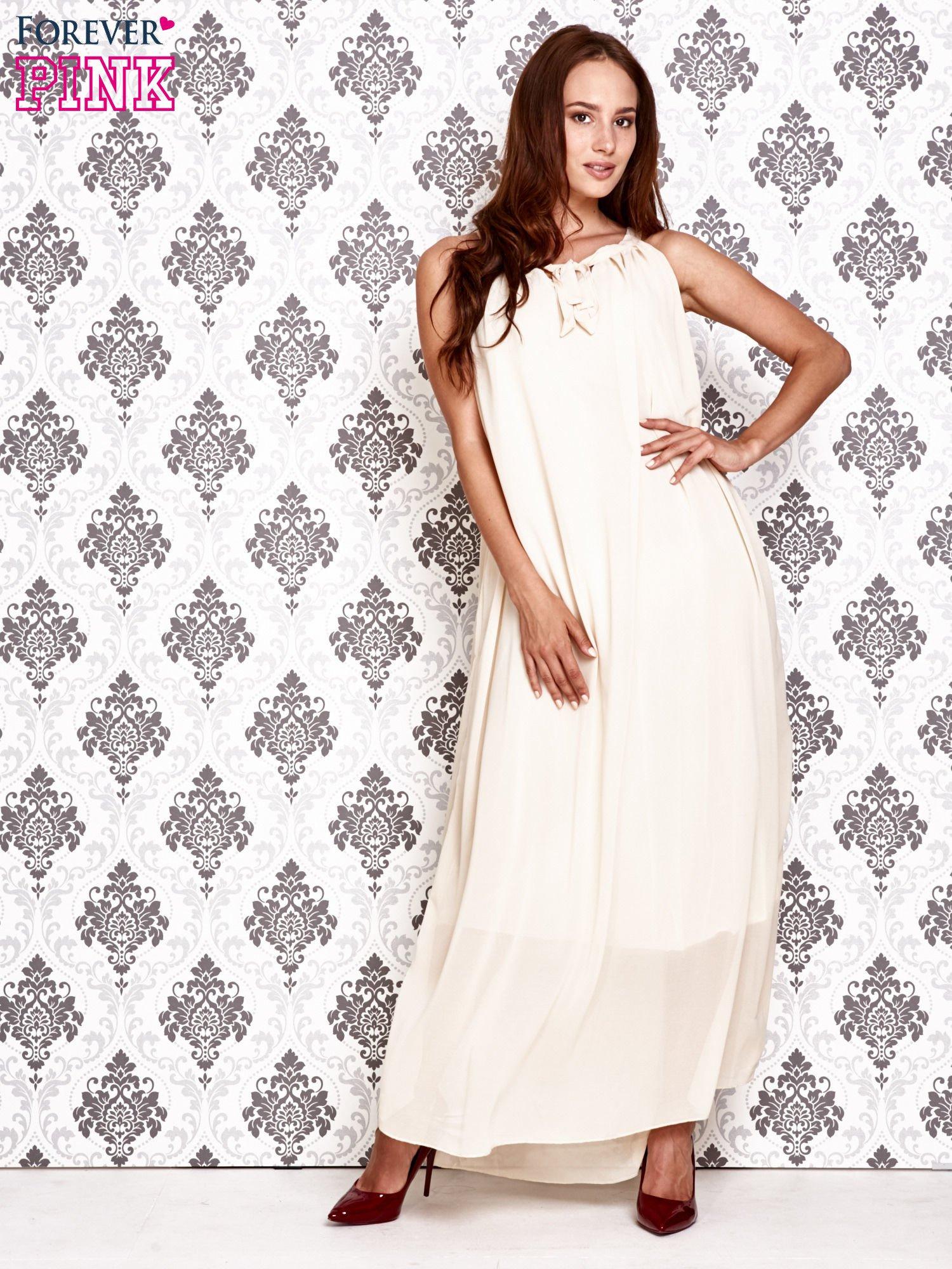Ecru sukienka maxi z wiązaniem przy dekolcie                                  zdj.                                  2