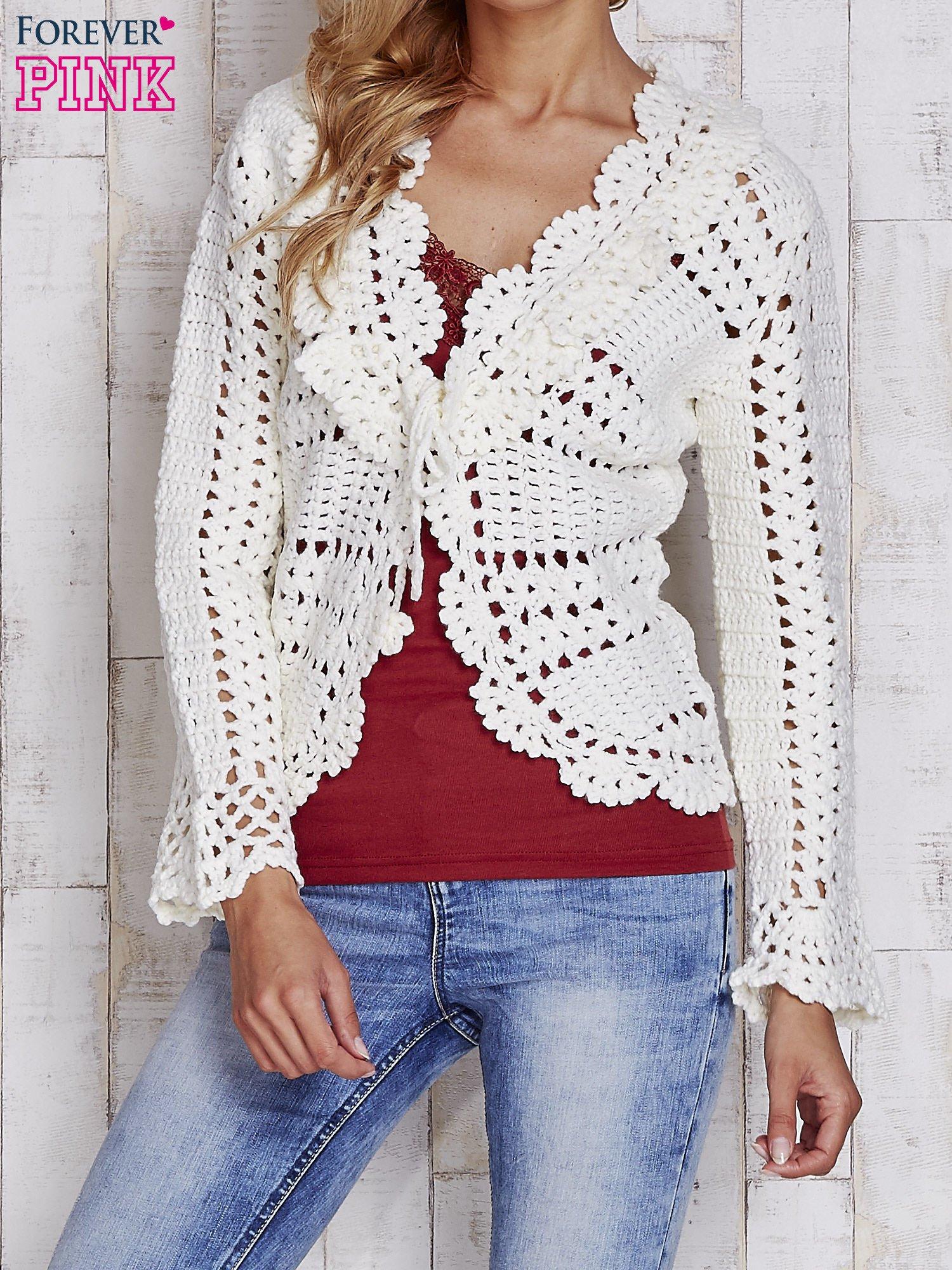 Ecru sweter z wiązaniem                                  zdj.                                  1