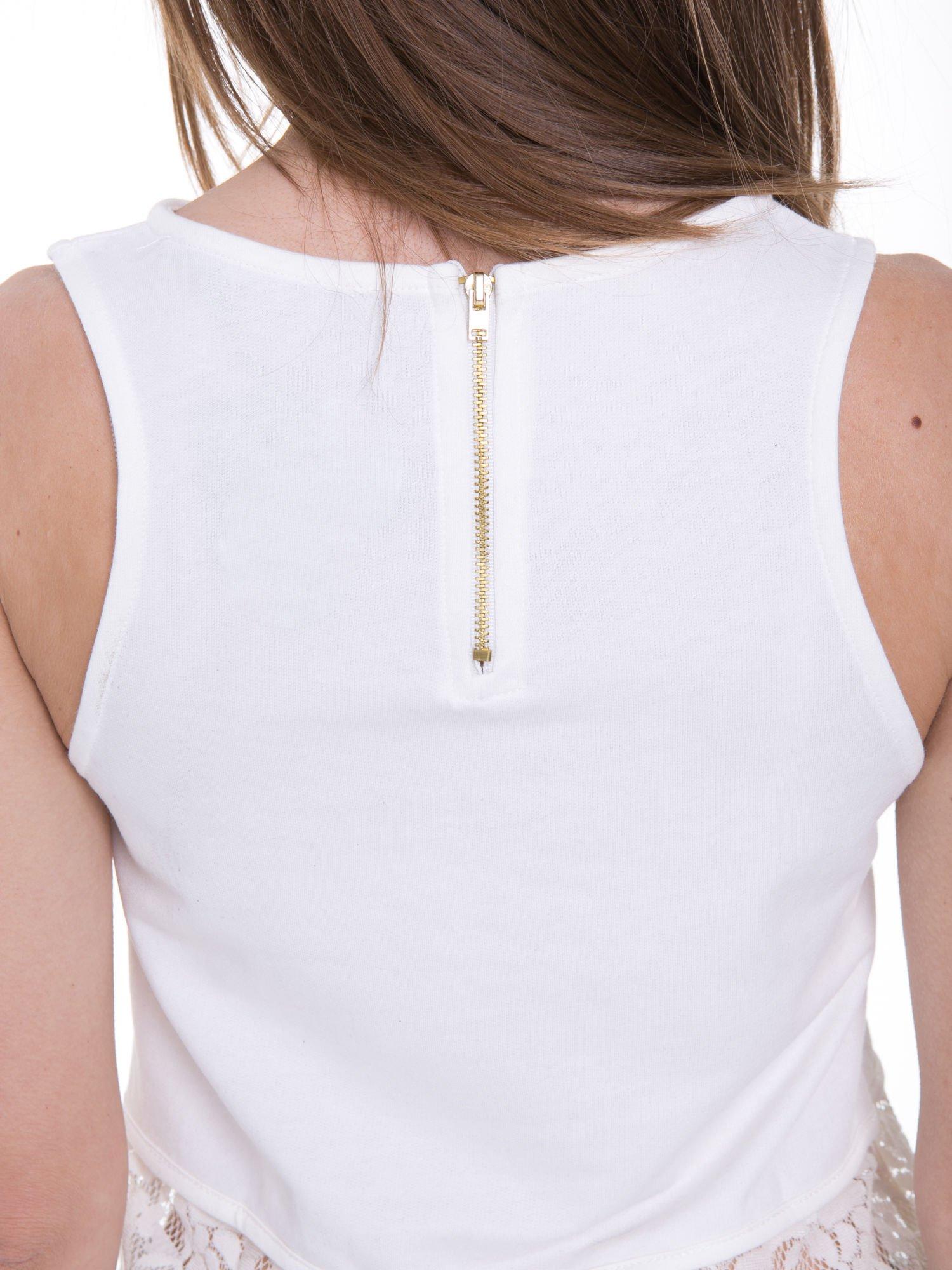 Ecru t-shirt z koronkowym dołem i zamkiem z tyłu                                  zdj.                                  10