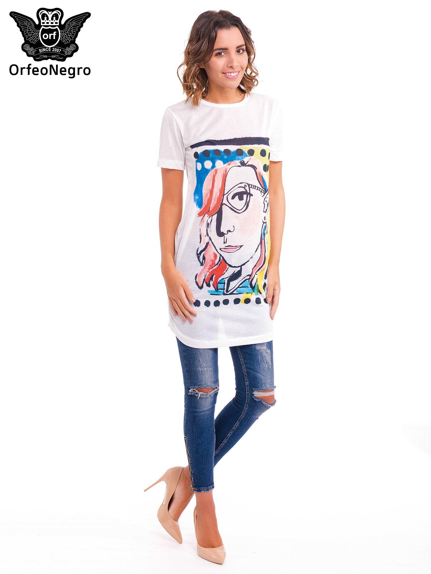 Ecru t-shirt z nadrukiem twarzy                                  zdj.                                  2