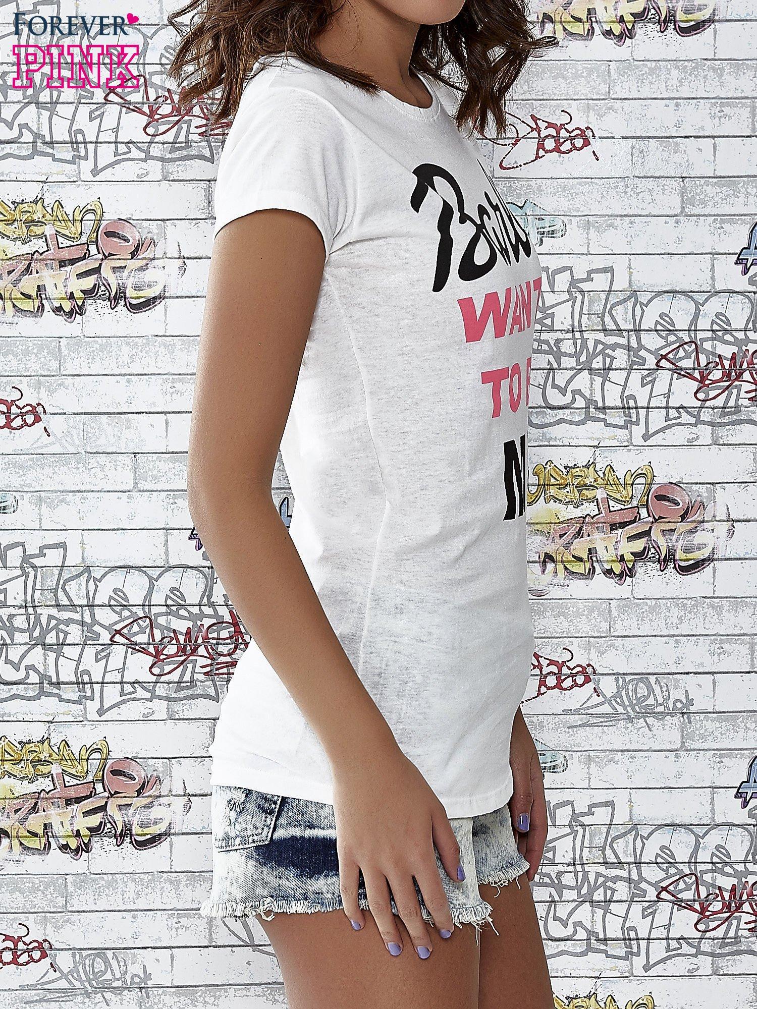 Ecru t-shirt z napisem BARBIE WANTS TO BE ME                                  zdj.                                  3