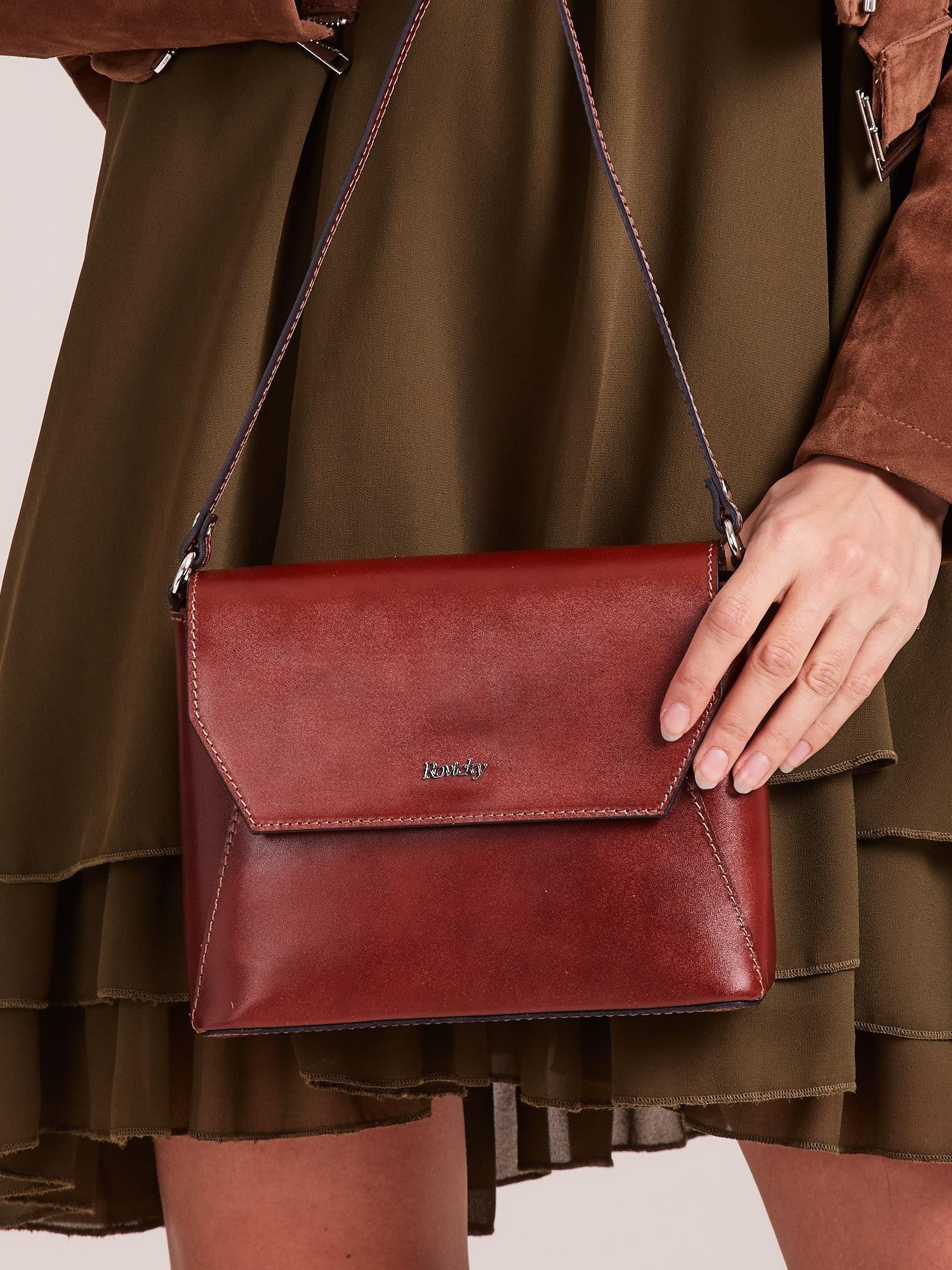 3bbb0187da6a0 Elegancka skórzana torebka listonoszka brązowa - Akcesoria torba ...