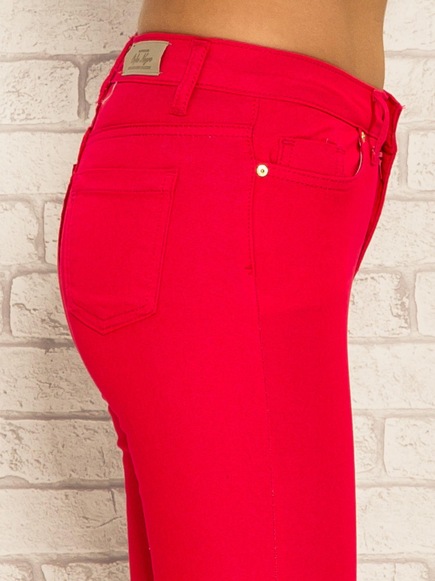 Fuksjowe spodnie rurki skinny z kieszeniami                                  zdj.                                  6