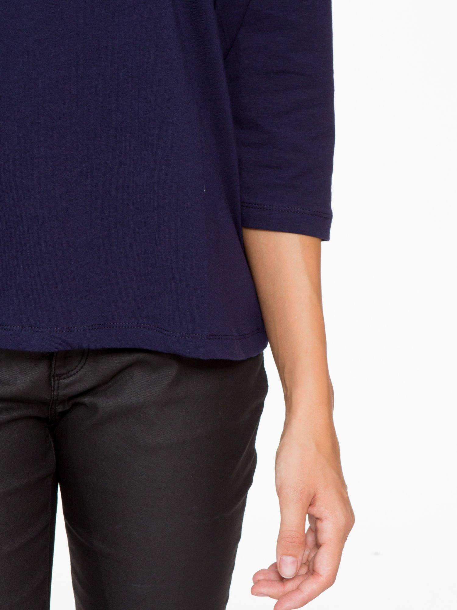 Granatowa basicowa bluzka z rękawem 3/4                                  zdj.                                  7