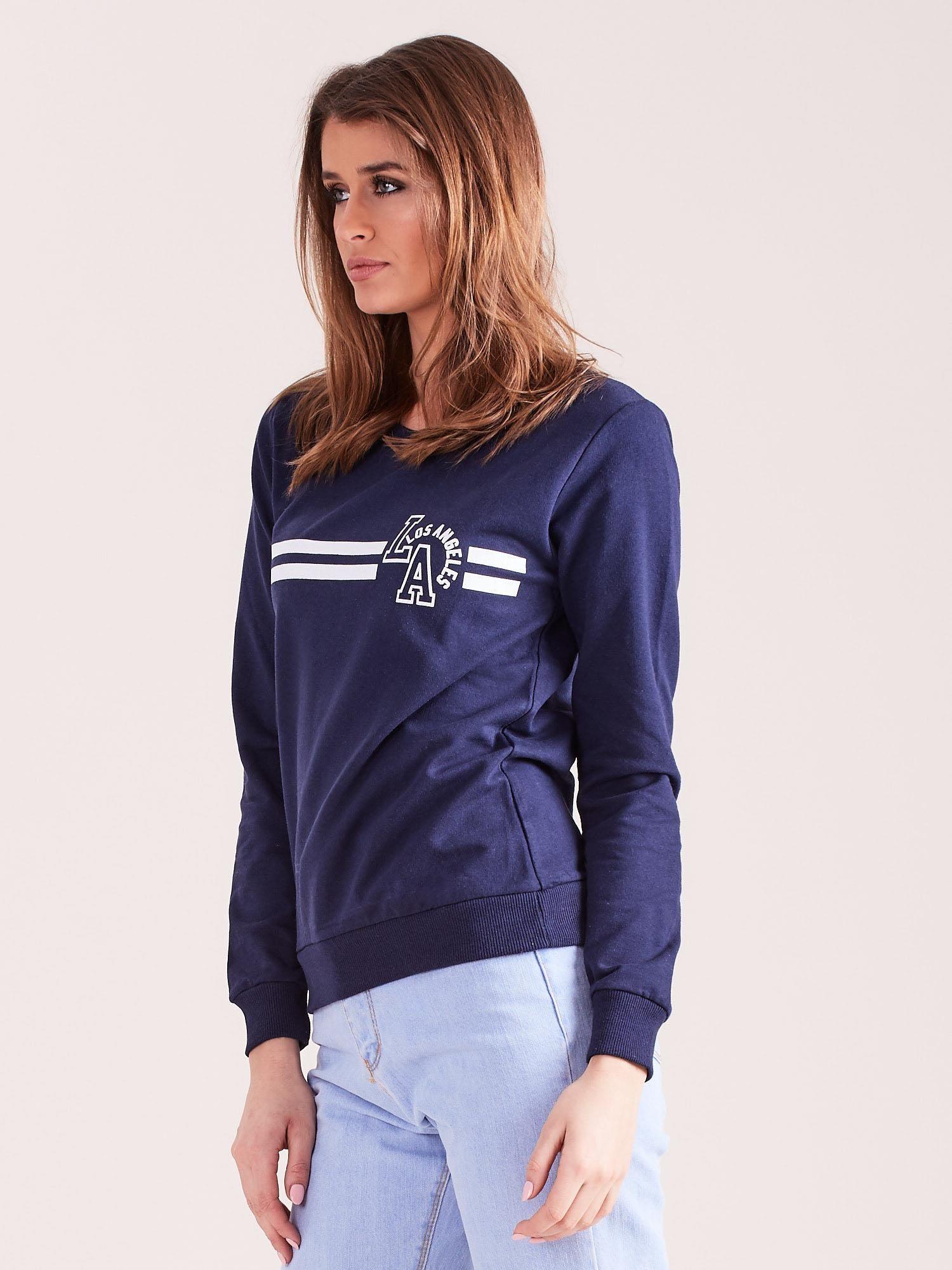 8e18dde4c1169f Granatowa bluza bawełniana z nadrukiem LOS ANGELES - Bluza bez ...