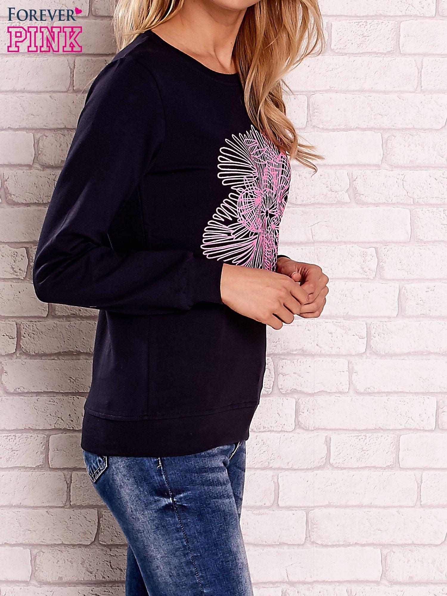 Granatowa bluza z kolorowym nadrukiem                                  zdj.                                  3