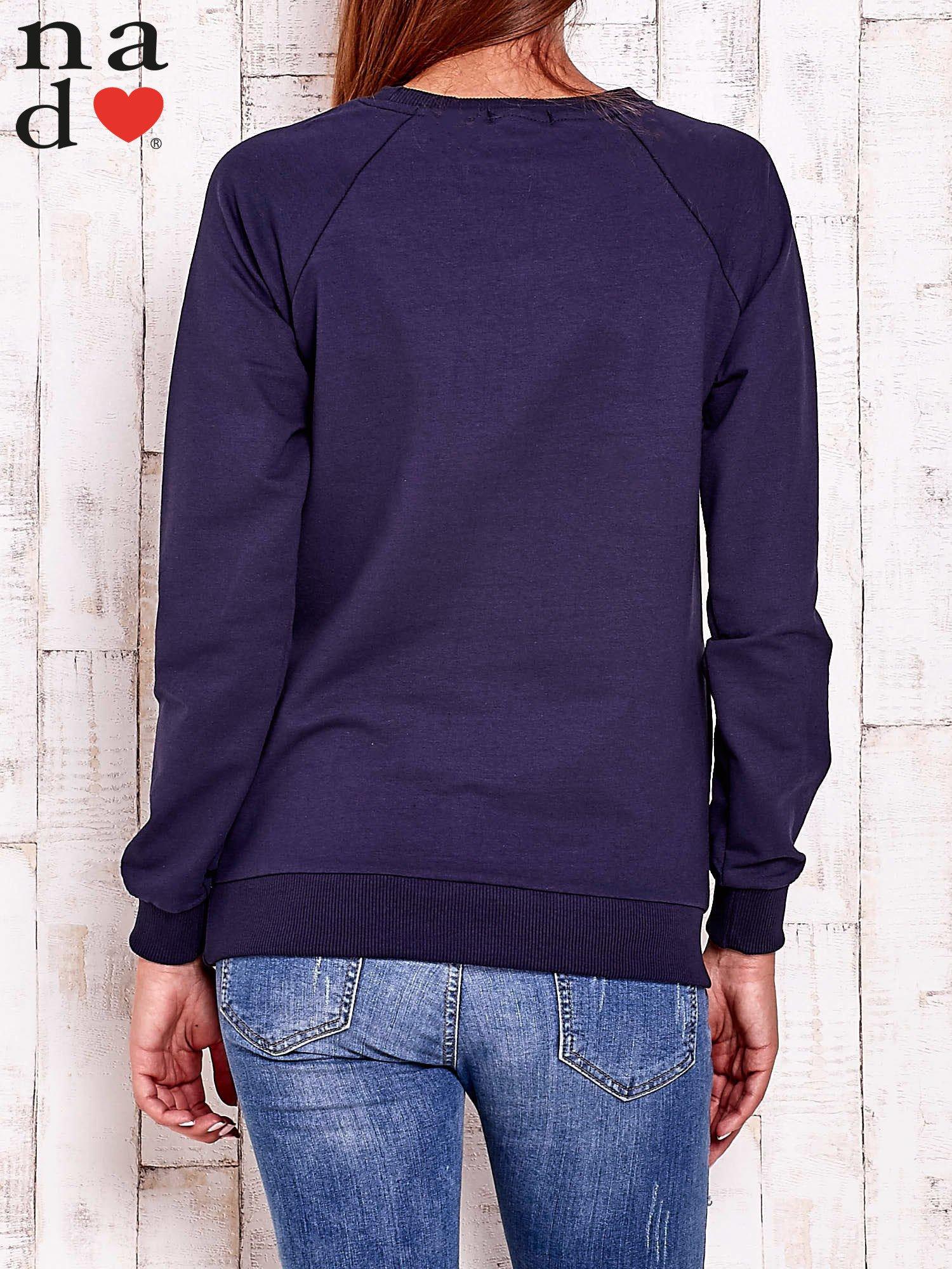 Granatowa bluza z napisem AWESOME                                  zdj.                                  4