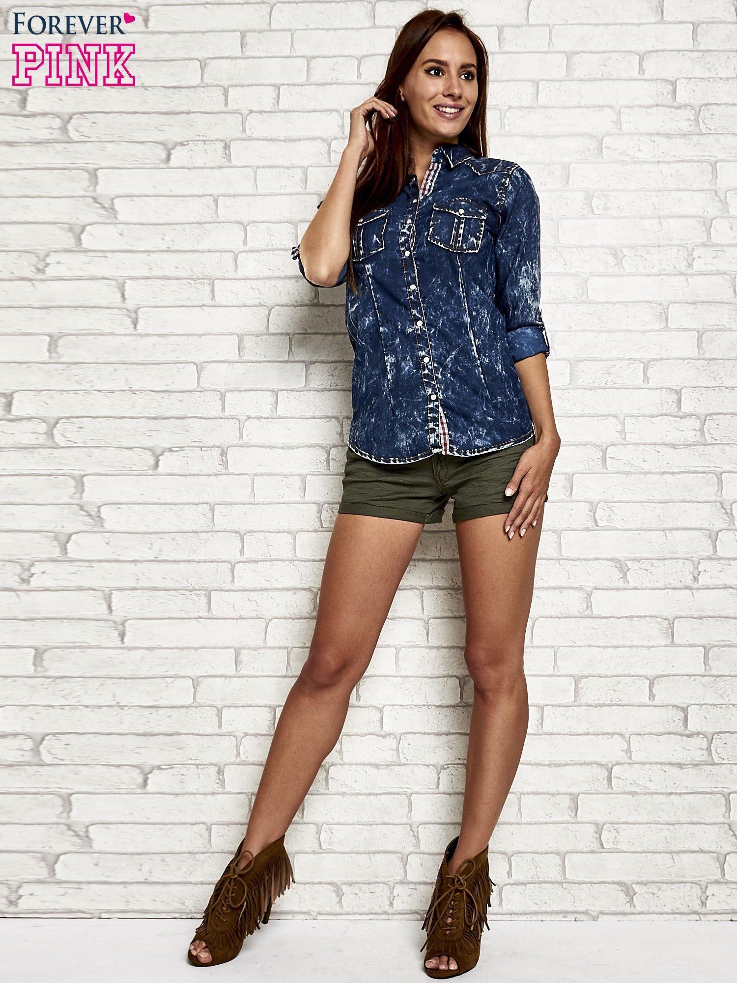 Granatowa dekatyzowana koszula jeansowa                                   zdj.                                  2