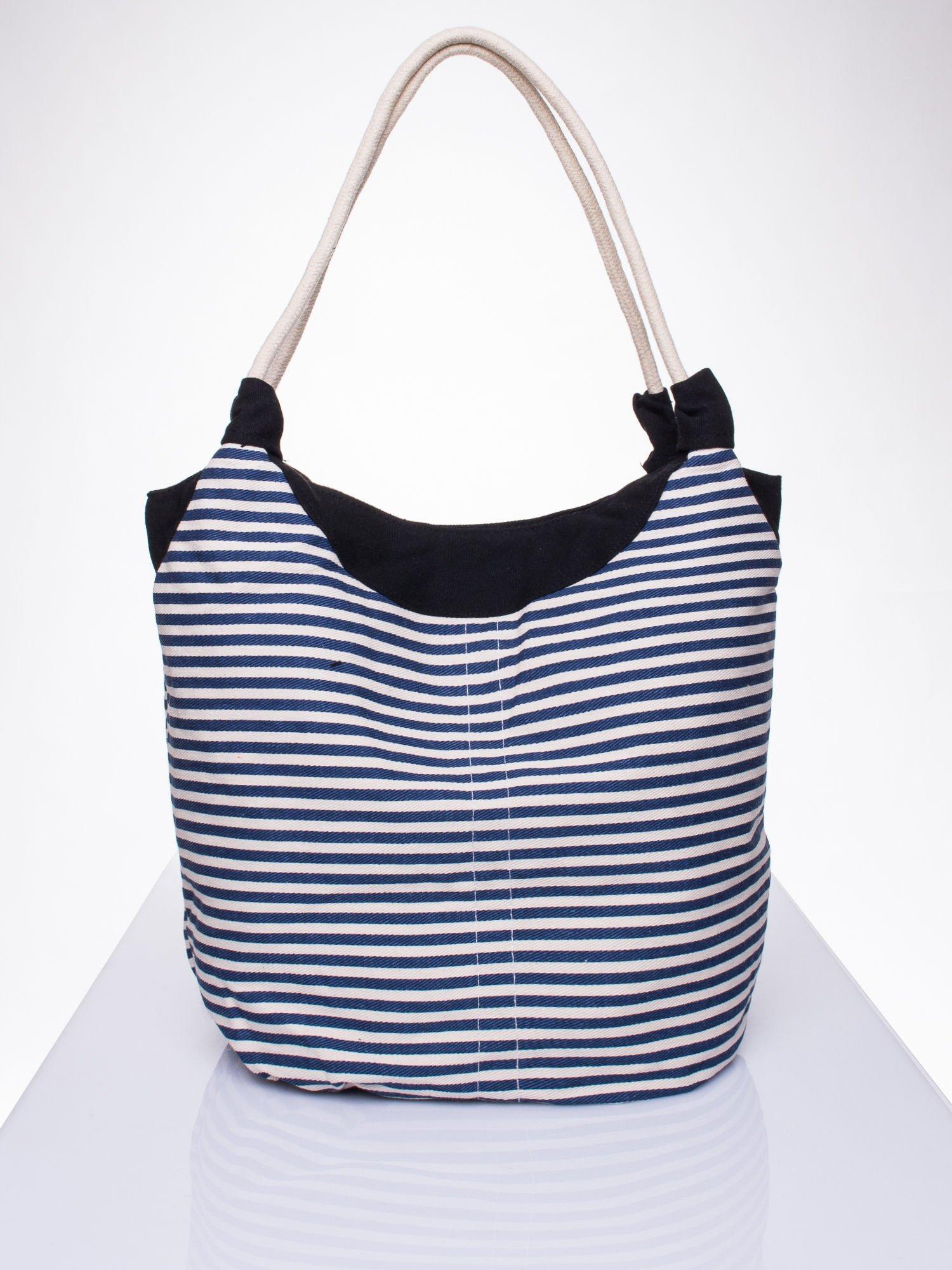 fbf53cb1047e4 Granatowa plażowa torba hobo w paski na sznurku - Akcesoria torba ...