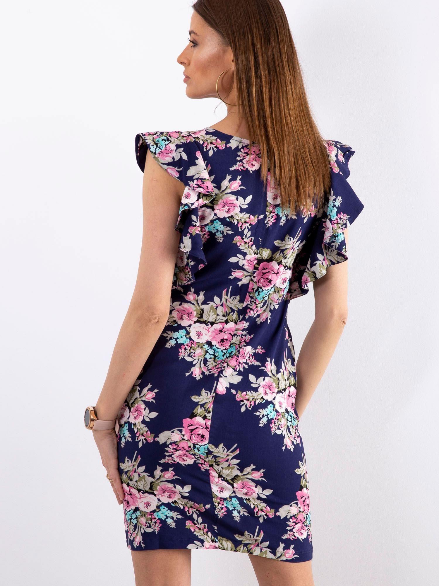 96779533 Granatowa sukienka w kwiaty z falbanami na rękawach