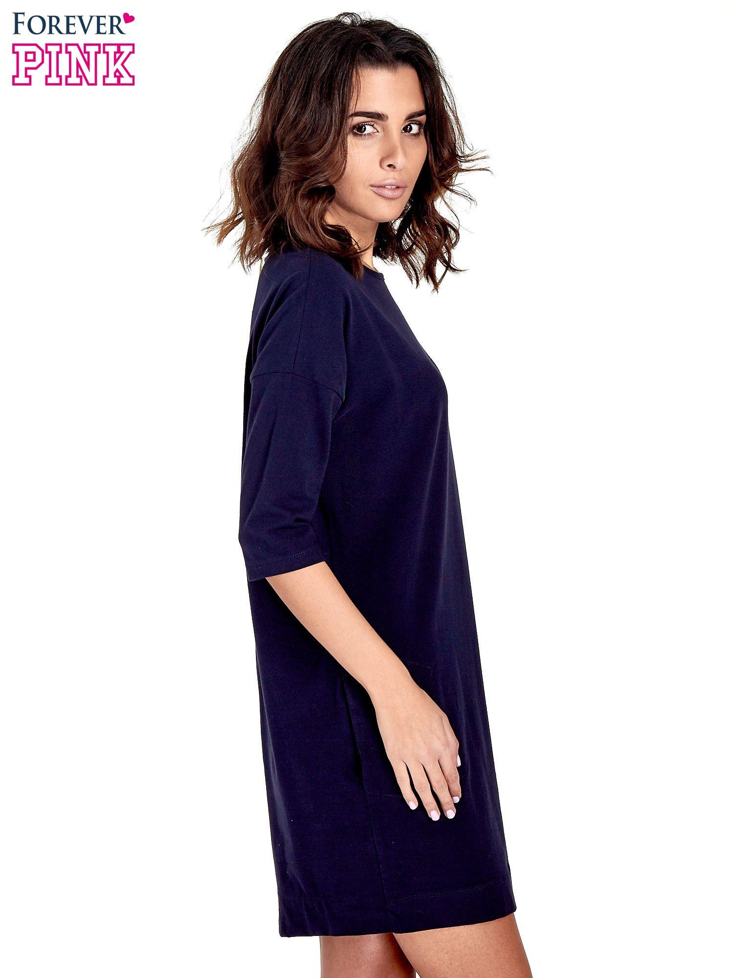 Granatowa sukienka z rękawem za łokieć                                  zdj.                                  3