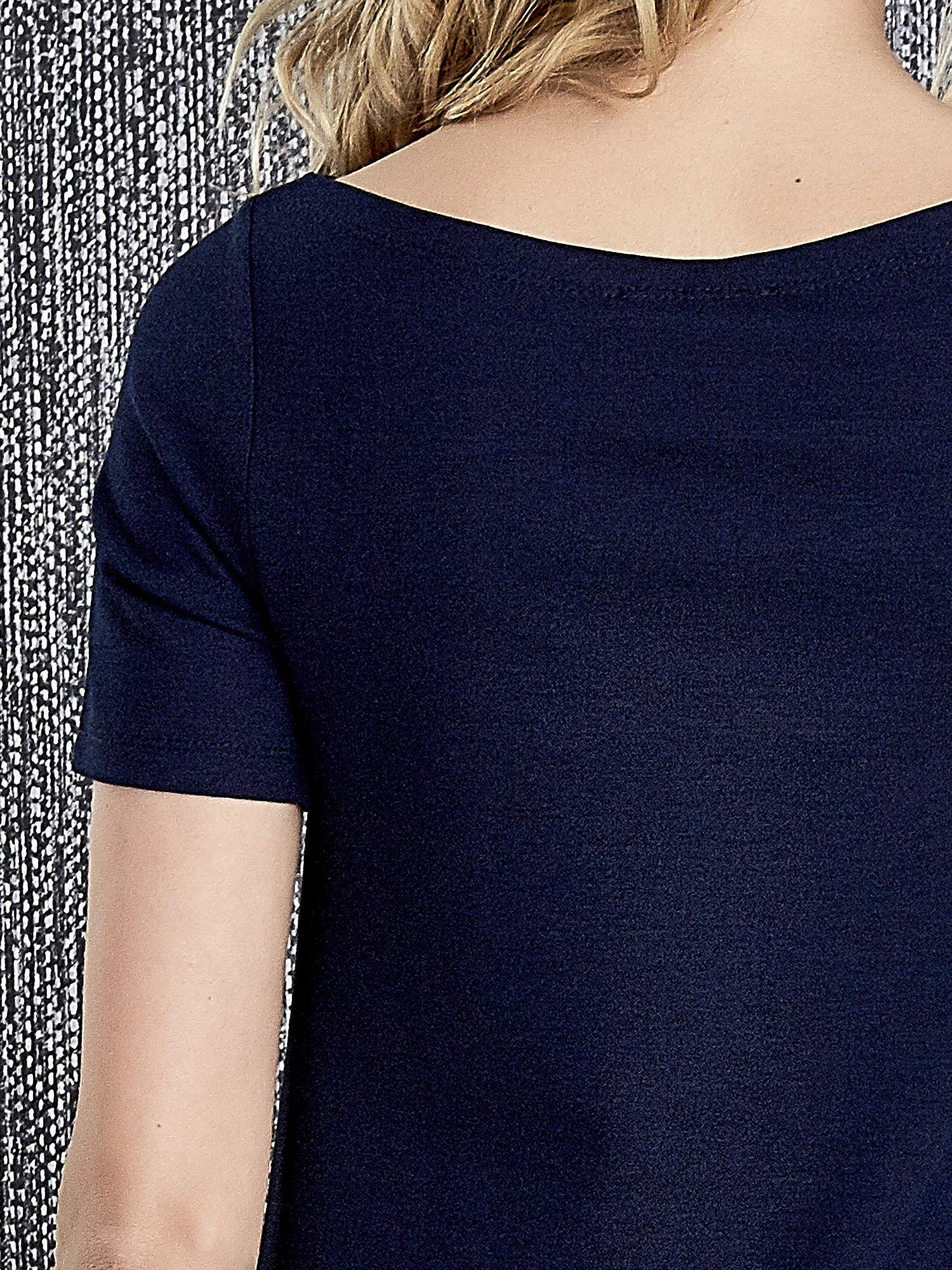 Granatowa trapezowa sukienka z kieszeniami                                  zdj.                                  5