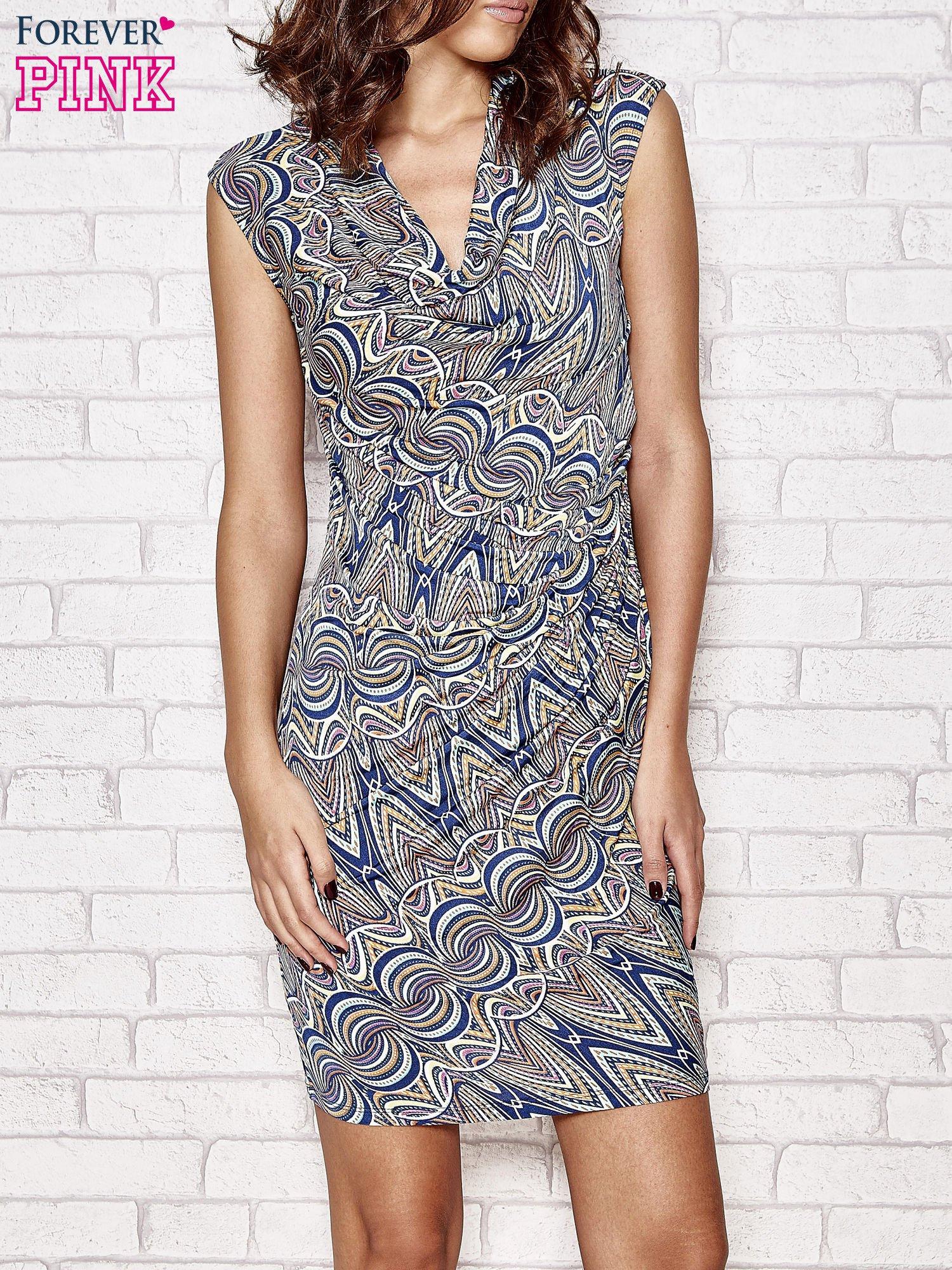 Granatowa wzorzysta sukienka z drapowaniem                                  zdj.                                  1