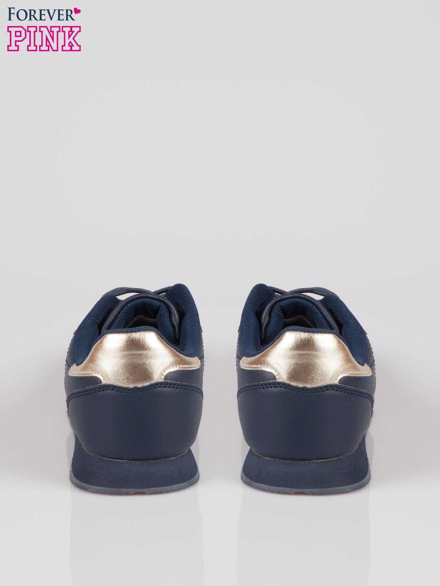 Granatowe buty sportowe ze złotym zapiętkiem                                  zdj.                                  3
