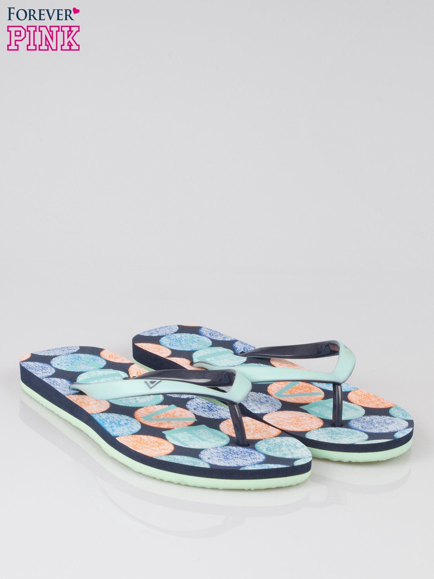 Granatowe japonki plażowe z kolorową podeszwą                                  zdj.                                  2