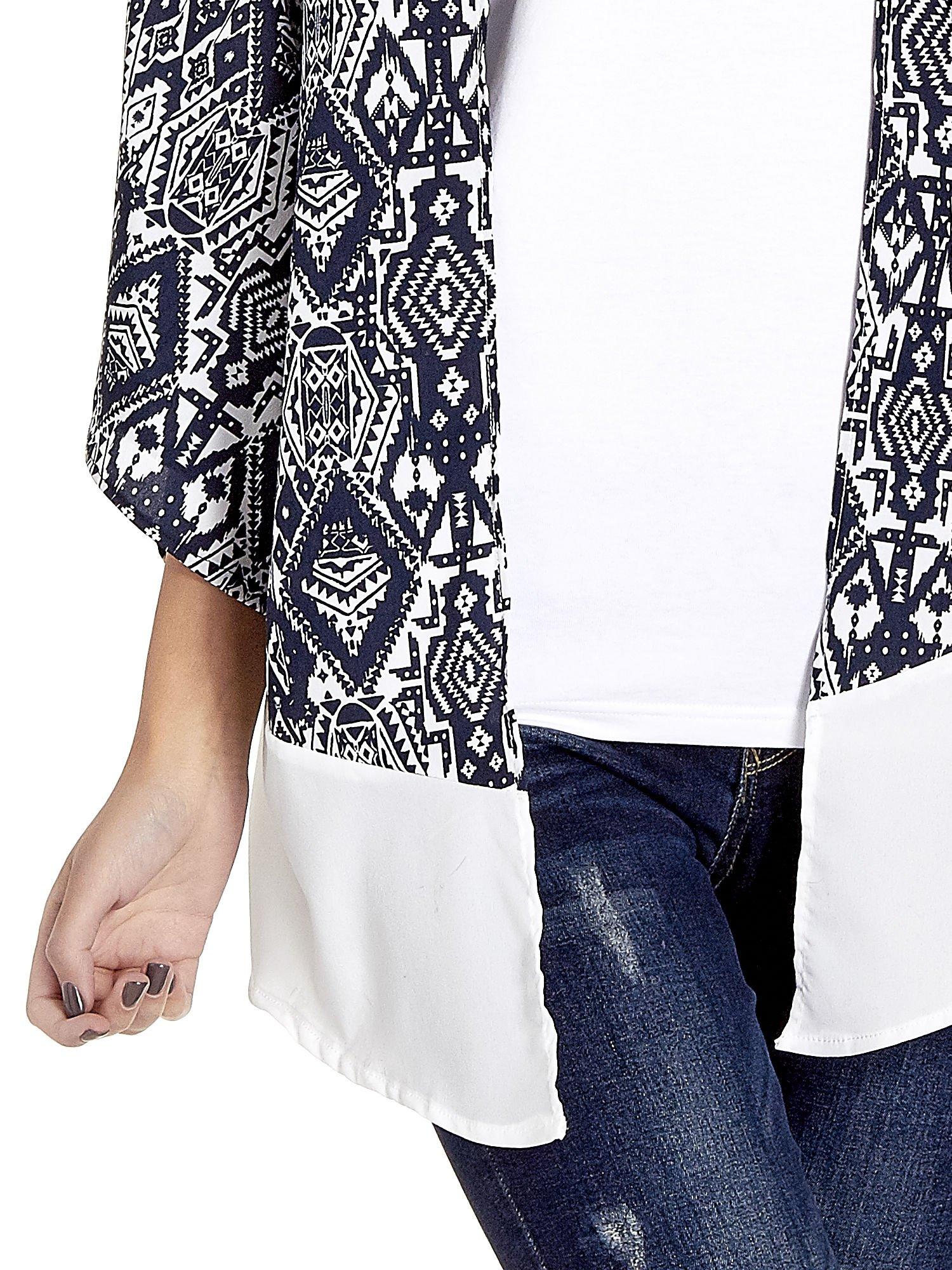 Granatowe kimono w etniczne wzory z modułem na dole                                  zdj.                                  5