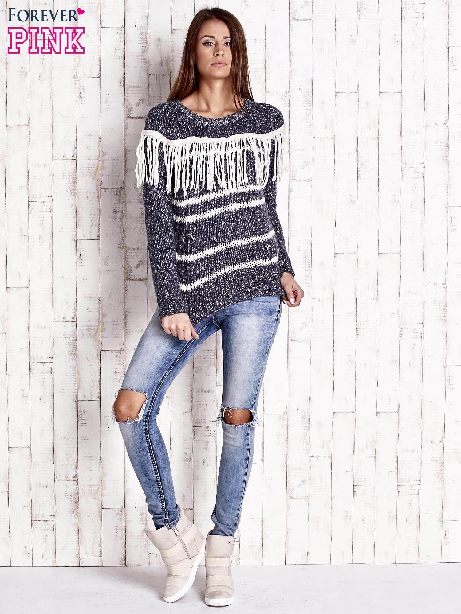 Granatowy wełniany sweter z frędzlami                                  zdj.                                  2