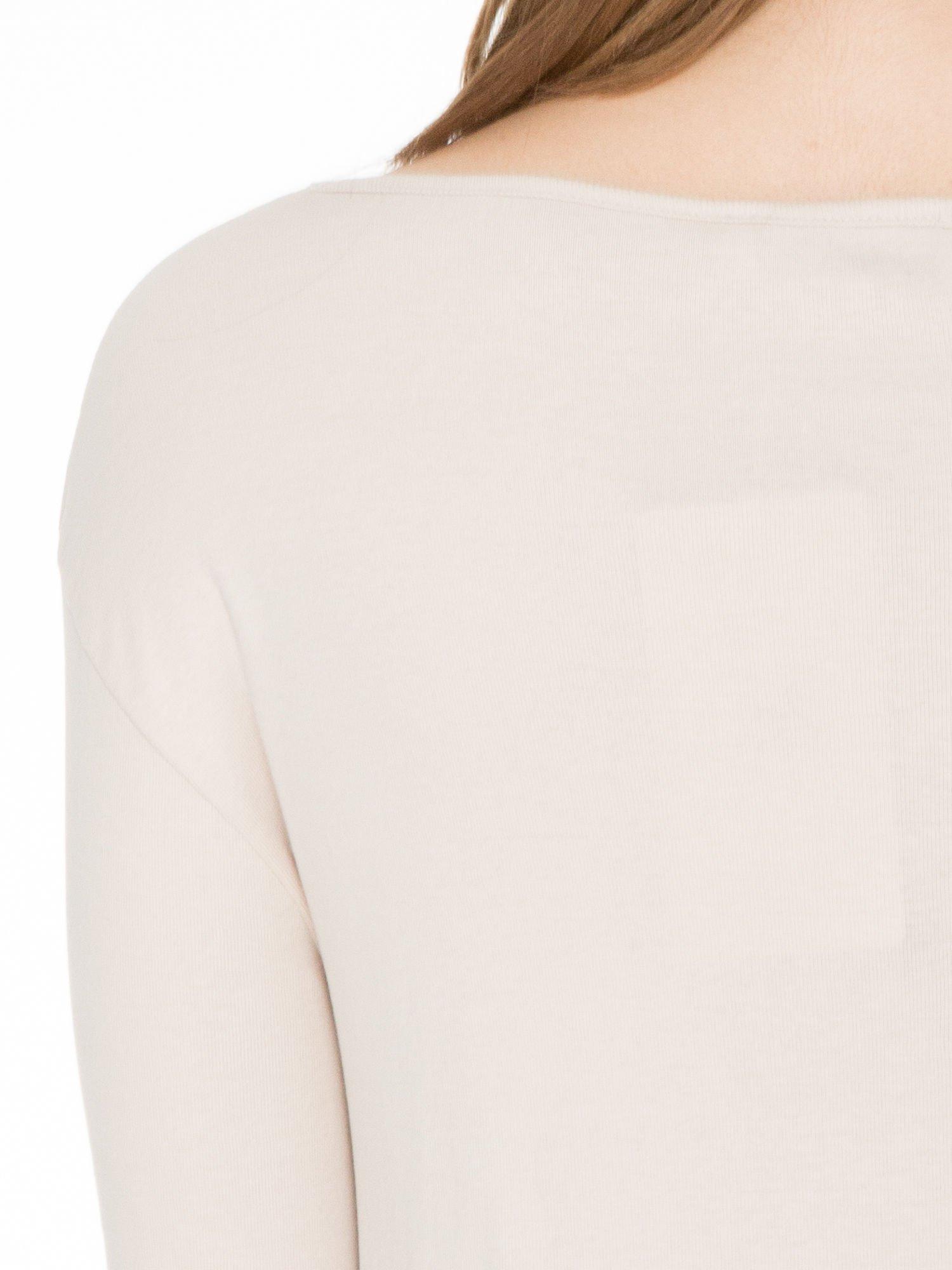 Jasnobeżowa bawełniana bluzka z gumką na dole                                  zdj.                                  5