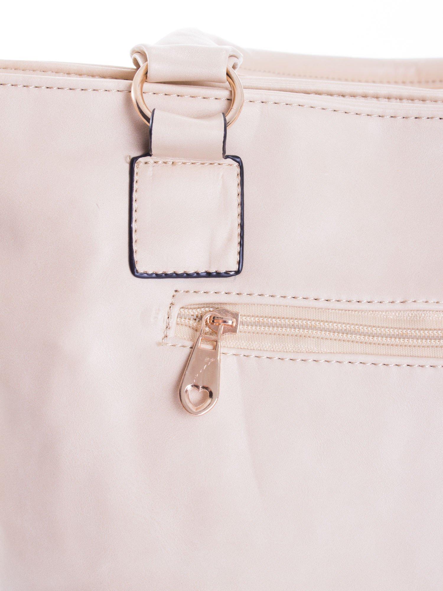 Jasnobeżowa pikowana torba na ramię                                  zdj.                                  10