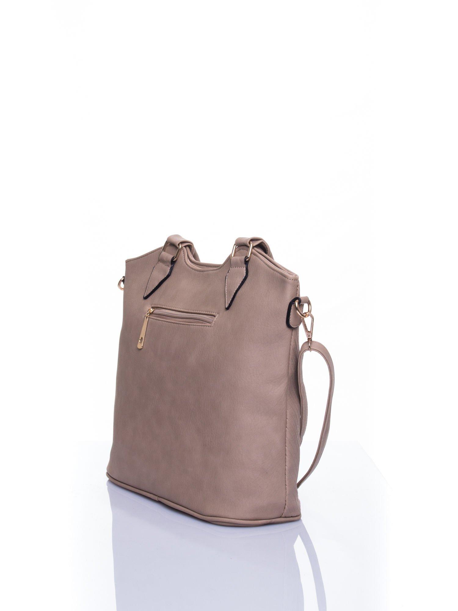Jasnobeżowa torebka fakturowana w pasy                                   zdj.                                  4