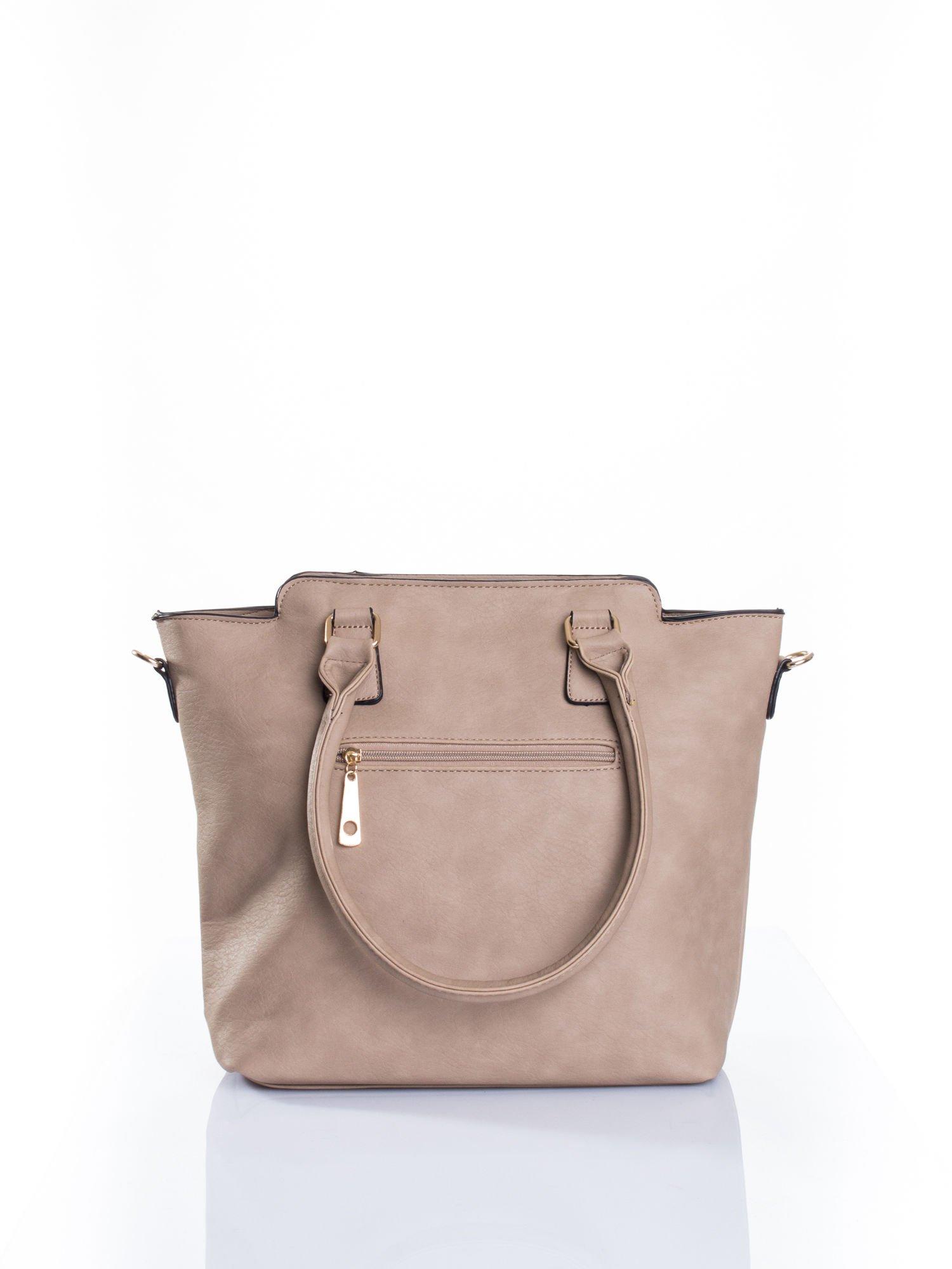 Jasnobrązowa torba ze złotymi wykończeniami                                  zdj.                                  2