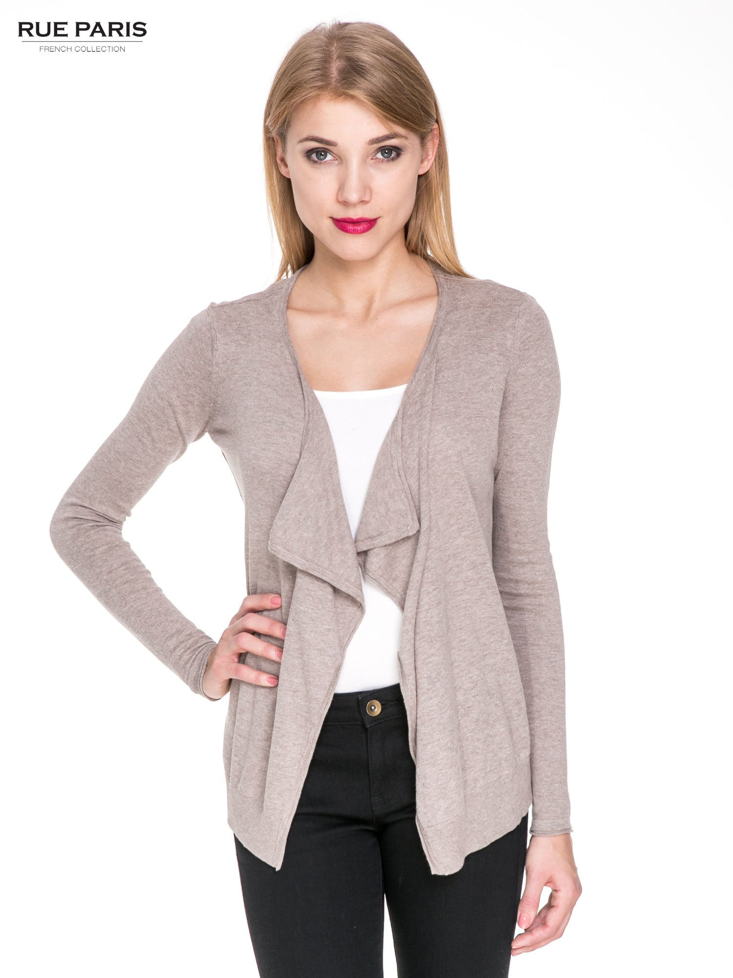 Jasnobrązowy sweterek kardigan o kaskadowym fasonie                                  zdj.                                  1